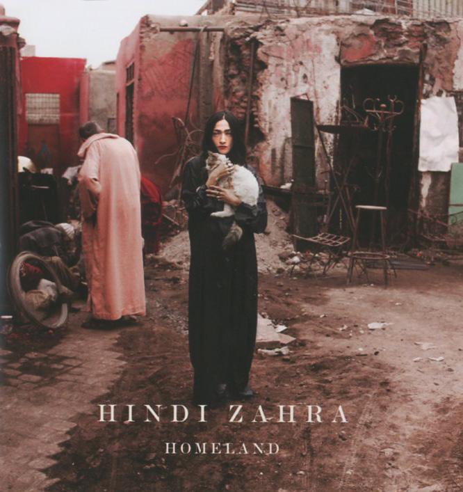 Издание содержит 8-страничный буклет с фотографиями и текстами песен на английском языке.