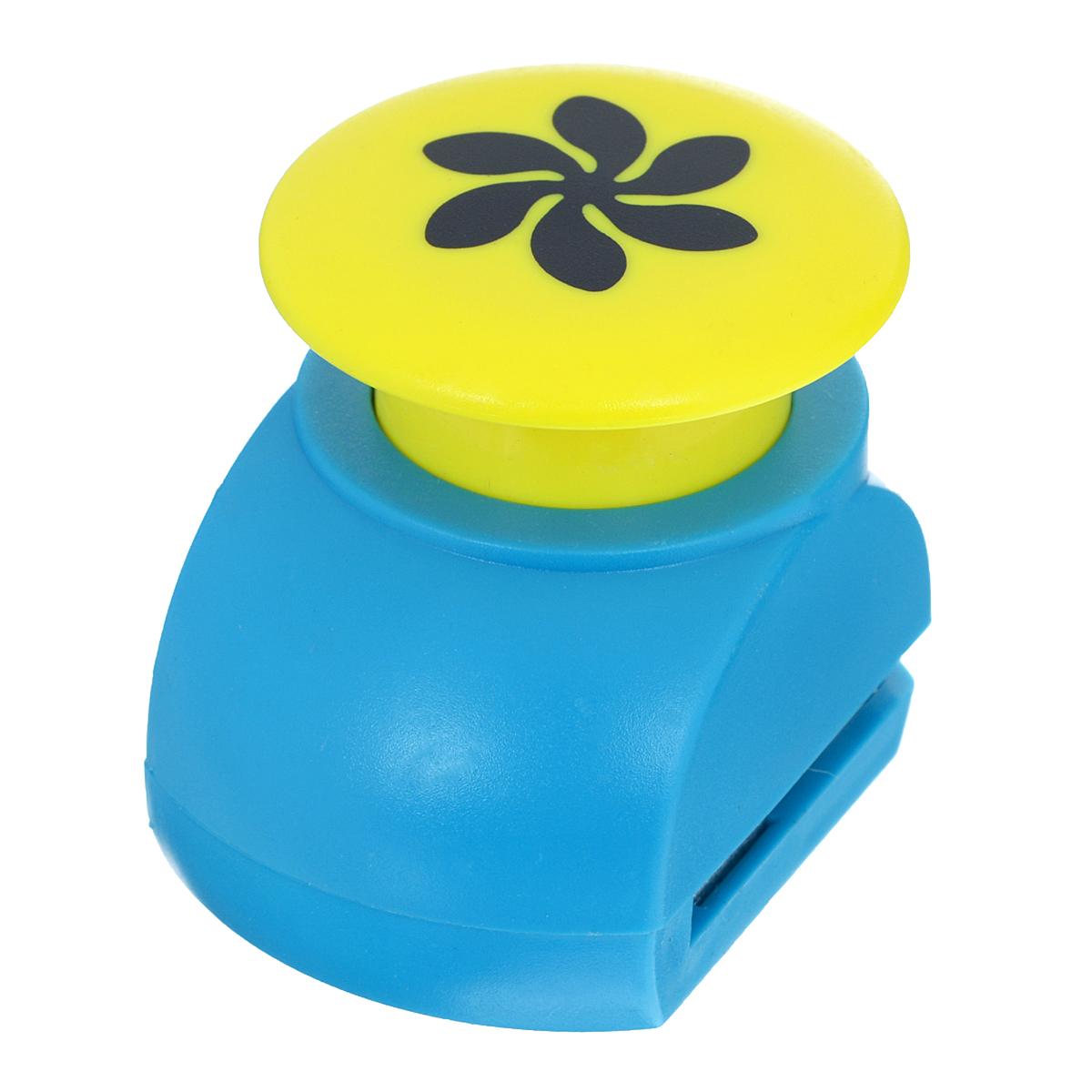 Дырокол фигурный Астра Пропеллер. JF-8237709606_144Дырокол Астра Пропеллер поможет вам легко, просто и аккуратно вырезать много одинаковых мелких фигурок.Режущие части компостера закрыты пластмассовым корпусом, что обеспечивает безопасность для детей.Можно использовать вырезанные мотивы как конфетти или для наклеивания. Дырокол подходит для разных техник: декупажа, скрапбукинга, декорирования.Размер дырокола: 5 см х 4 см х 5 см.Диаметр вырезанной фигурки: 2,5 см.