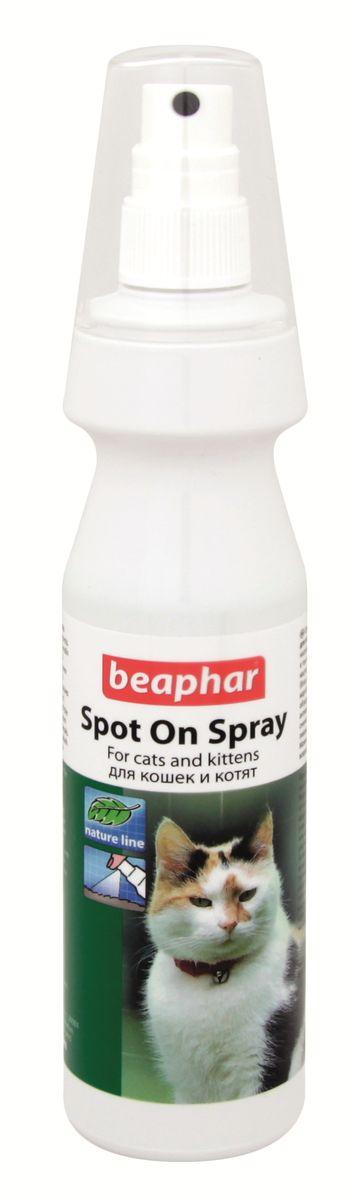 Спрей для кошек и котят Beaphar Spot on Spray, от блох и клещей, 150 мл13086Натуральный спрей от клещей и блох для кошек и котят. Спрей прозрачный, светло-зеленого цвета, с запахом цитронеллы. Действующие вещества: мыльный спирт (Spiritus saponatus), масло мангозы, масло рициновое, масло подсолнечное, масло цитронеллы, масло лаванды, масло бергамота. Вспомогательные вещества: вода, эмульгаторы, красители. Способ применения: перед применением следует взболтать содержимое флакона. Животное следует обрабатывать, двигаясь от хвоста к голове. Нужно направлять струю против шерсти и втирать жидкость в спину, бока, внутреннюю сторону бедер, хвост и кончики ушей. Не следует направлять спрей в глаза, нос, уши, пасть и гениталии животного. После обработки необходимо дать шерсти высохнуть самой (нельзя использовать полотенце или фен). После сушки следует расчесать шерсть животного. Нет ограничений по продолжительности использования. Продолжительность действия спрея - несколько дней. Можно использовать с 12-недельного возраста.Товар сертифицирован.