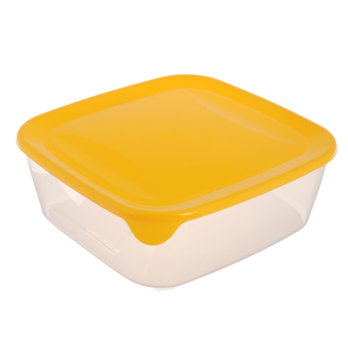 """Квадратная емкость для заморозки и СВЧ Curver """"Fresh & Go"""" изготовлена из высококачественного пищевого пластика (BPA free), который выдерживает температуру от -40°С до +100°С. Стенки емкости прозрачные, а крышка цветная. Она плотно закрывается, дольше сохраняя продукты свежими и вкусными. Емкость удобно брать с собой на работу, учебу, пикник или просто использовать для хранения пищи в холодильнике. Можно использовать в микроволновой печи и для заморозки в морозильной камере. Можно мыть в посудомоечной машине."""