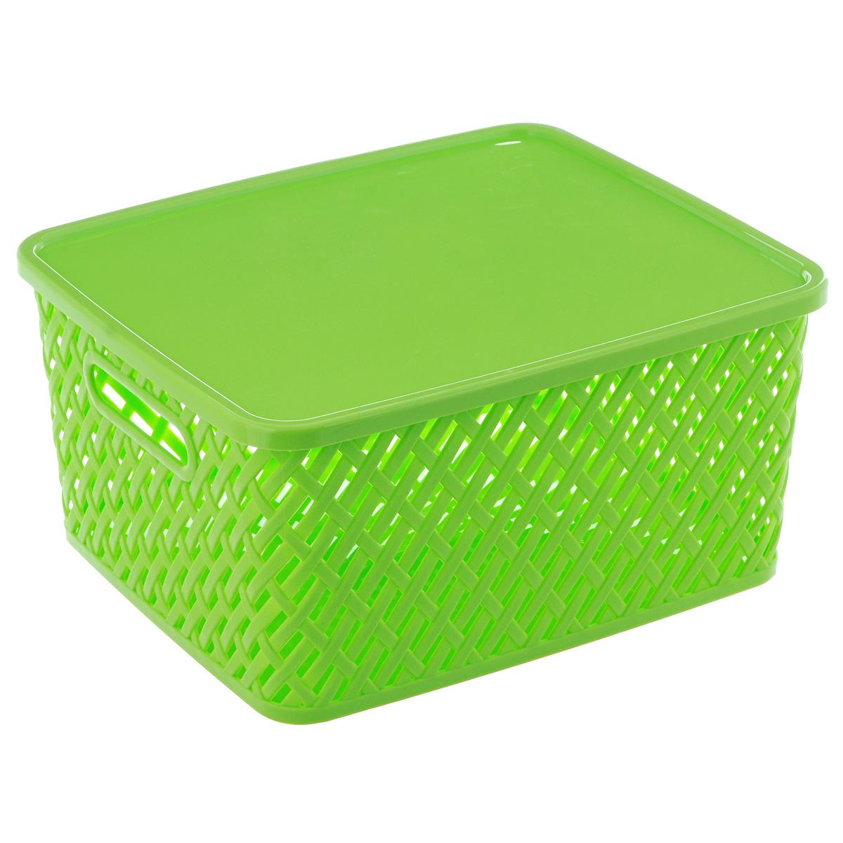 Корзина Альтернатива Плетенка, с крышкой, цвет: салатовый, 35 см х 29 см х 17,5 смМ3556Корзина Альтернатива Плетенка выполнена из прочного пластика. Она предназначена для хранения различных бытовых вещей и продуктов.Корзина имеет крышку, которая легко открывается и плотно закрывается. Стенки корзины имитированы под плетение, за счет этого обеспечивается естественная вентиляция. Корзина поможет хранить все в одном месте, а также его можно использовать как и для пикника.