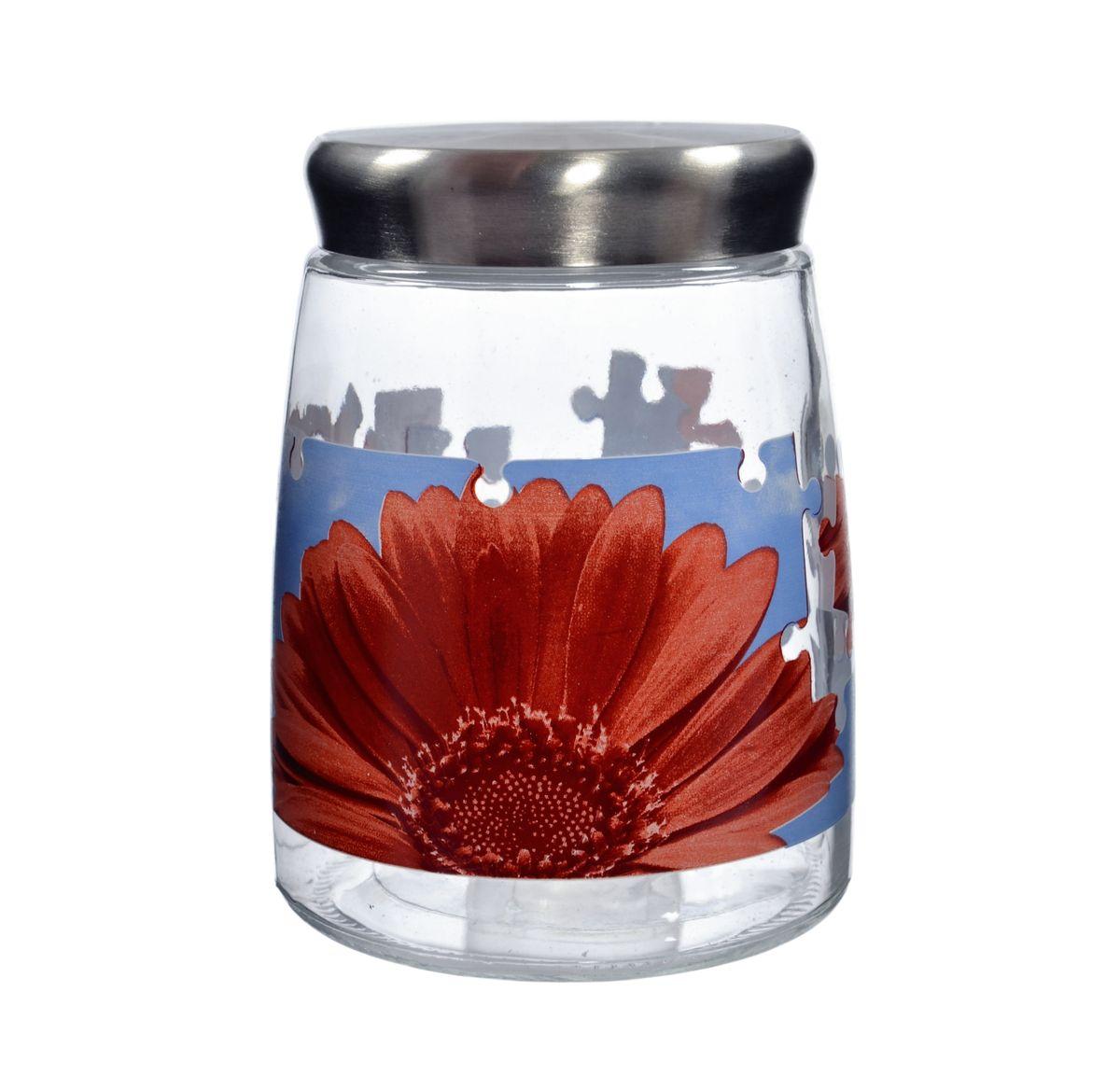 Банка для сыпучих продуктов Cerve Пазл гербера, цвет: прозрачный, красный, 1,38 лCEM42290Банка для сыпучих продуктов Cerve Пазл гербера изготовлена из прочного стекла и декорирована красочным рисунком. Банка оснащена плотно закрывающейся металлической крышкой. Благодаря этому внутри сохраняется герметичность, и продукты дольше остаются свежими. Изделие предназначено для хранения различных сыпучих продуктов: круп, чая, сахара, орехов и многого другого. Функциональная и вместительная, такая банка станет незаменимым аксессуаром на любой кухне. Не рекомендуется мыть в посудомоечной машине.Диаметр (по верхнему краю): 8,5 см.Высота банки (без учета крышки): 16 см.