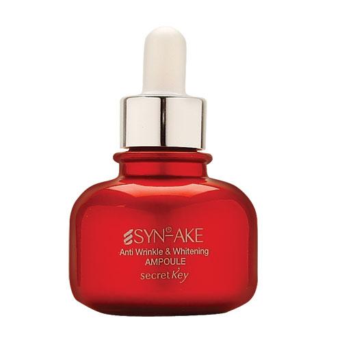 Secret Key Сыворотка против морщин на лице SYN-AKE Anti Wrinkle & Whitening ampoule, 30 мл99300Ампульная эссенция восстанавливающая содержит Syn-ake (пептид змеиного яда), арбутин, ниацинамид, аденозин, экстракт граната, экстракт ромашки и т.д. Эссенция предназначена для борьбы с мимическими морщинами, эффективно улучшает цвет лица, борясь с пигментацией различного происхождения. Растительные компоненты в составе успокаивают кожу, давая ей расслабление и обладают антивозрастными свойствами. Оптимально поддерживает гидро-баланс кожи. Syn-Ake минимизирует мышечное напряжение, помогая сократить размер и предотвратить закладку новых морщинок.