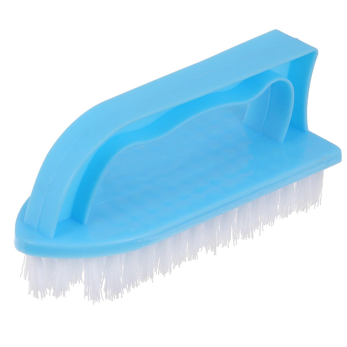 Щетка Home Queen Утюг, универсальная, цвет: голубой. 8787Щетка Home Queen Утюг, выполненная из полипропилена и нейлона, является универсальной щеткой для очистки поверхностей ванной комнаты и кухни. Оснащена удобной ручкой.Длина ворсинок: 2,5 см.