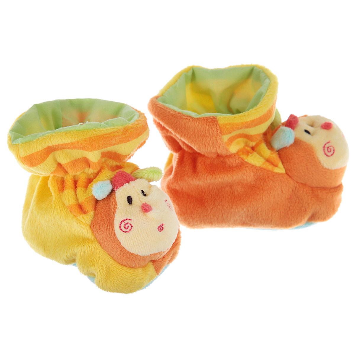 Пинетки Baby Nice Пчелки, цвет: желтый, оранжевый, голубой. Р47061. Возраст 0месР47061Очаровательные пинетки Baby Nice Пчелки идеально подойдут для маленьких ножек вашего крохи! Они очень нежные и приятные на ощупь, не раздражают кожу и хорошо вентилируются. В хлопковых велюровых пинетках ножка малыша дышит и не мерзнет - созданы все комфортные условия, для того, чтобы подумать о первых шагах!Яркие пинетки изготовлены из очень мягкого и приятного на ощупь ворсистого материала - 100% хлопка и оформлены объемной головой в виде пчелки. Благодаря скрытой эластичной резинке пинетки будут отлично держаться на ножке младенца. Подошва выполнена в контрастном цвете. Такие пинетки - отличное решение для малышей и их родителей!