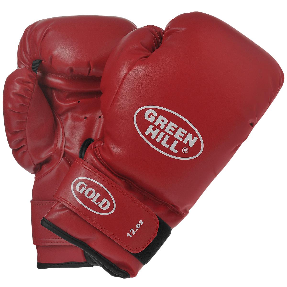 Перчатки боксерские Green Hill Gold, цвет: красный. Вес 12 унцийBGG-2030Боксерские тренировочные перчатки Green Hill Gold выполнены из высококачественной искусственной кожи. Они отлично подойдут для начинающих спортсменов. Мягкий наполнитель из очеса предотвращает любые травмы. Широкий ремень, охватывая запястье, полностью оборачивается вокруг манжеты, благодаря чему создается дополнительная защита лучезапястного сустава от травмирования. Застежка на липучке способствует быстрому и удобному одеванию перчаток, плотно фиксирует перчатки на руке.