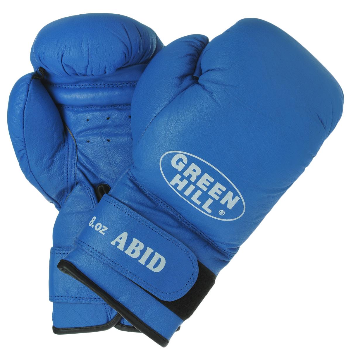 Перчатки боксерские Green Hill Abid, цвет: синий. Вес 8 унцийBGA-2024Боксерские тренировочные перчатки Green Hill Abid выполнены из натуральной кожи. Они отлично подойдут для начинающих спортсменов. Мягкий наполнитель из очеса предотвращает любые травмы. Широкий ремень, охватывая запястье, полностью оборачивается вокруг манжеты, благодаря чему создается дополнительная защита лучезапястного сустава от травмирования. Застежка на липучке способствует быстрому и удобному одеванию перчаток, плотно фиксирует перчатки на руке.