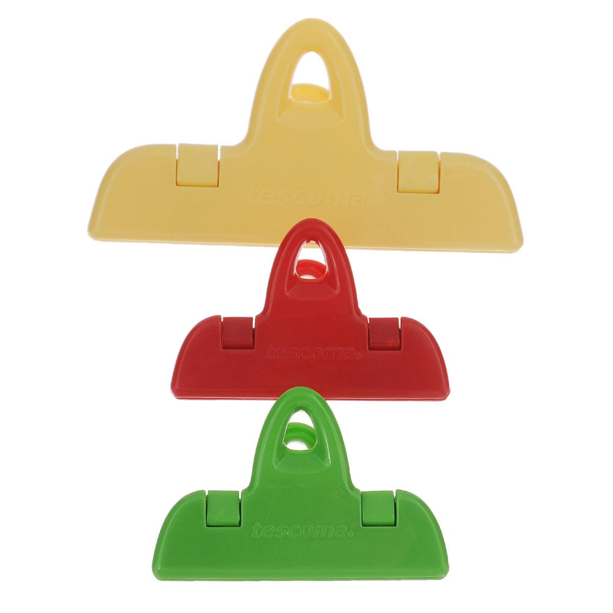 """Набор Tescoma """"Presto"""" состоит из трех разноцветных клипс для пакетов, изготовленных из прочной пластмассы. Изделия отлично подходят для закрывания пакетов с пищевыми продуктами, например, кофе, круп, печенья, чипсов и т.д. С такими клипсами продукты более длительное время сохраняются свежими, содержимое пакета защищено от внешних воздействий и от насекомых. Клипсы подходят для холодильника и посудомоечной машины. Длина клипс: 7 см, 11 см."""