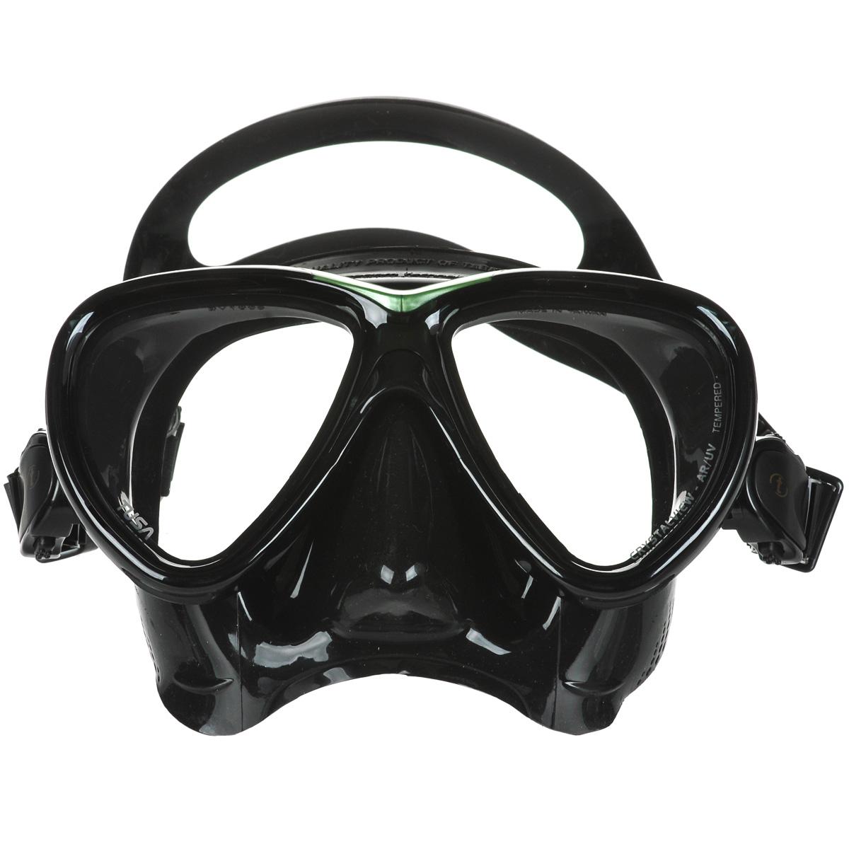 Маска для плавания Tusa Freedom One Pro, цвет: черный, зеленыйTS M-211SQB BK/SGНовинка 2013 года.От обычной маски Freedom One серия Pro отличается линзами CrystalView AR/UV с антибликовым и УФ-защитным покрытием.Линзы с антибликовым покрытием значительно уменьшают количество отраженного света, в результате картинка становится более яркой, красочной и контрастной. Особая UV обработка этих линз обеспечивает 100% защиту от ультрафиолета UVA и UVB, блокируя спектр излучения до 400 нм.В маске применен ряд новых революционных технологий, обеспечивающих комфорт и прилегание маски к лицу. Ячеистая структура обтюратора переменной величины и диаметра в районе скул и по краям лба делают его более мягким и эластичным, что обеспечивает лучшее прилегании и уменьшает вероятность протекания.Переменная толщина силикона обтюратора в районе рта и нижней части носа делают процесс использования трубки максимально комфортным.Обтюратор по линии соприкосновения с кожей имеет поверхность пониженного трения и большую площадь соприкосновения с кожей.В данной маске применена недавно разработанная низкопрофильная пряжка, которая крепится прямо к силиконовому обтюратору.В результате получается компактная, легкая и технологически более совершенная модель маски, которую можно просто и быстро настроить под себя, добившись оптимального прилегания. Характеристики: Цвет: черный, зеленый. Ширина оправы маски: 15,5 см. Размер упаковки: 20 см x 10,5 см x 11 см. Материал: силикон, стекло, пластик. Артикул: TS M-211SQB BK/SG.Производитель: Тайвань.