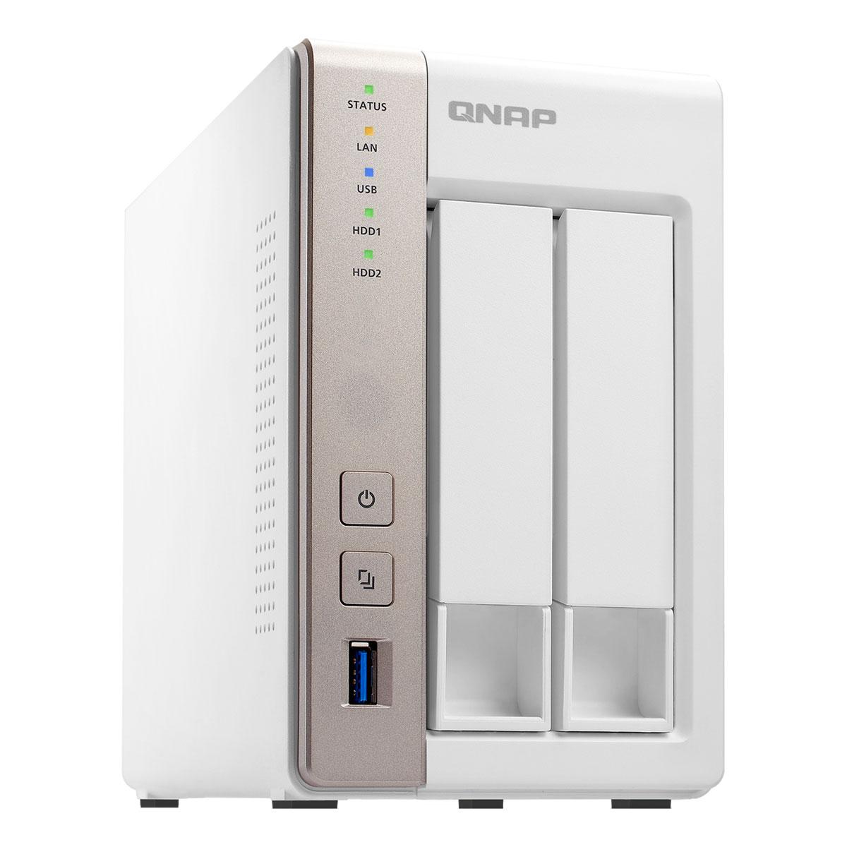 QNAP TS-251 сетевой RAID-накопительTS-251QNAP TS-251 – это высокопроизводительный сетевой накопитель с большой емкостью хранения для дома, малого офиса и рабочих групп. Оснащенное операционной системой QTS для сетевых накопителей QNAP, устройство идеально подойдет для резервного копирования данных, синхронизации файлов, безопасного удаленного доступа, организации медиабиблиотеки, а также надежного личного облака.Рабочий стол QTS 4.0, включающий в себя основное меню, графическую панель мониторинга, пиктограммы с возможностью перетаскивания, несколько рабочих столов, персонализированные обои и «умную» панель инструментов, значительно облегчает выполнение системных операций. Поддержка мультизадачности позволяет одновременно держать открытыми несколько окон, работая параллельно с различными приложениями.Весь ваш контент доступен вам в поездке! TS-251 обеспечивает постоянную доступность ваших данных в персональном «облаке», подключиться к которому можно через любой веб-браузер или бесплатное приложение для планшетов и смартфонов. Воспользуйтесь преимуществами услуги myQNAPcloud, которая позволяет удаленно подключаться к хранилищу TS-251, где бы вы ни находились. Начните мгновенную потоковую трансляцию или просто поделитесь мультимедийными файлами с вашими друзьями.Приложение HD Station включает в себя мощный программный медиаплеер XBMC и популярный веб-браузер Google Chrome. Используя разъем HDMI стандарта 1.4a, подключите TS-251 к телевизору или монитору высокой четкости, чтобы насладиться медиаконтентом на большом экране. Удобный интерфейс управления и поддержка 7.1-канального объемного звука*, плавное воспроизведение Full HD-видео – накопитель QNAP серии TS-x51 просто создан для вашего домашнего кинотеатра**. Превратите мобильные гаджеты в пульт дистанционного управления HD Station, установив приложение Qremote, а также используйте ПДУ от QNAP модели RM-IR002 или любой MCE-совместимый. Кроме того, HD Station содержит плагин видеохостинга YouTube, что позволяет управля