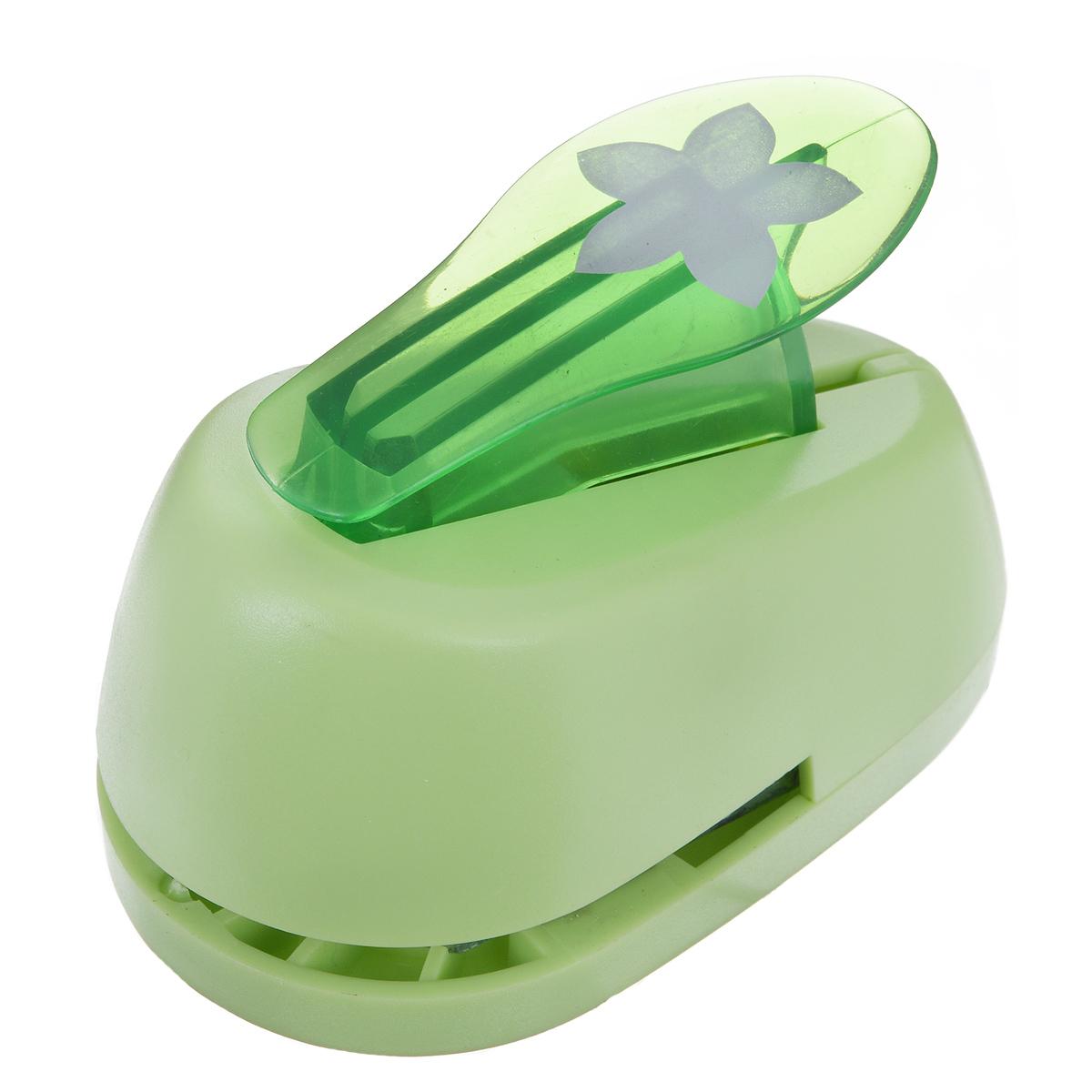Дырокол фигурный Hobbyboom Цветок, №97, цвет: зеленый, 2,5 смCD-99M-097Фигурный дырокол Hobbyboom Цветок, изготовленный из прочного металла и пластика, поможет вам легко, просто и аккуратно вырезать много одинаковых мелких фигурок.Режущие части дырокола закрыты пластиковым корпусом, что обеспечивает безопасность для детей. Предназначен для бумаги плотностью - 80 - 200 г/м2. Рисунок прорези указан на ручке дырокола.Размер дырокола: 8 см х 5 см х 4,5 см. Диаметр готовой фигурки: 2,5 см.