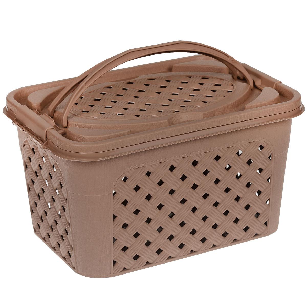 """Контейнер Альтернатива """"Плетенка-люкс"""" выполнен из прочного пластика. Он предназначен для хранения различных бытовых вещей и продуктов.Контейнер имеет крышку, которая легко открывается и плотно закрывается, благодаря зажимам, расположенным по бокам. Стенки контейнера и крышка имитированы под плетение, за счет этого обеспечивается естественная вентиляция. Контейнер оснащен двумя ручками, благодаря которым его удобно переносить. Контейнер поможет хранить все в одном месте, а также его можно использовать как корзину для пикника."""
