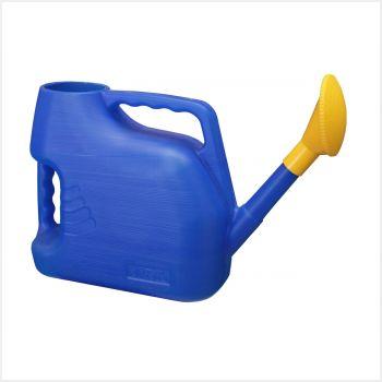 Лейка Альтернатива, цвет: синий, 7 л. M222М222Садовая лейка Альтернатива предназначена для полива насаждений на приусадебном участке. Она выполнена из пластика и имеет небольшую массу, что позволяет экономить силы при поливе. Удобство в использовании также обеспечивается за счет эргономичной ручки лейки. Выпуклая насадка позволяет производить равномерный полив, не прибивая растения. Лейка имеет большое горлышко для наливания воды. Лейка Альтернатива станет незаменимой на вашем огороде или в саду.