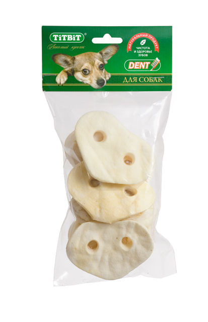 Лакомство для собак Titbit, пятачок диетический, из говяжьей кожи, 80 г4927Лакомство для собак Titbit, выполненное в виде пятачков из говяжьей кожи, - полностью натуральный продукт для вашего питомца, разработанный по уникальной технологии Titbit щадящим способом сушки, позволяющим сохранить все полезные и естественные вкусовые качества. Лакомство чистит зубы, массирует десны. Благодаря большому содержанию аминокислот и коллагена положительно воздействует на хрящевую ткань, состояние кожи и шерсти собаки. За счет волокнистой структуры являются своеобразной зубной щеткой, способствующей укреплению десен, удалению зубного налета и профилактике образования зубного камня. Не содержит консервантов, искусственных красителей и ароматизаторов. Состав: высушенная говяжья кожа.Рекомендуемая норма потребления составляет 10% от суточного рациона собак старше 12 недель. Необходимо обеспечить собаке постоянный доступ к питьевой воде.Товар сертифицирован.