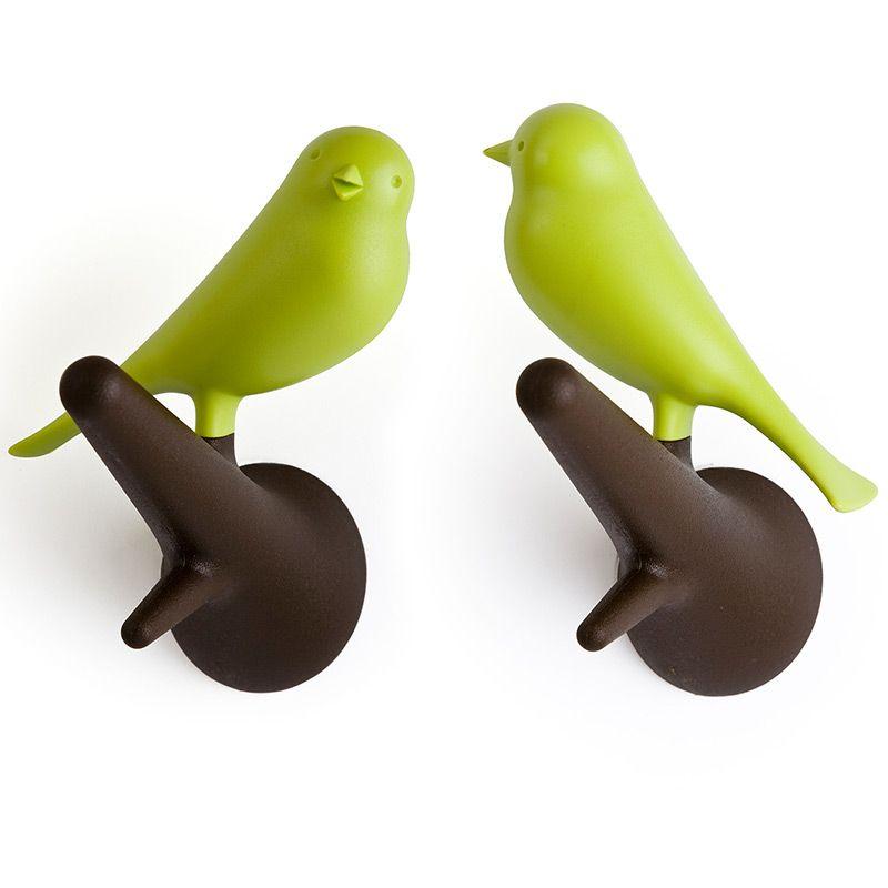 Набор настенных вешалок Qualy Sparrow, цвет: коричневый, зеленый, 2 штQL10067-BN-GNНабор настенных вешалок Qualy Sparrowизготовлен из пластика. В комплект входят двакрючка с фигурками в виде птиц, которые надежноприкрепляются к стене с помощью шурупов. Такие вешалки создадут уникальную атмосферу ипригодятся дома, в офисе, магазине или кафе.Шурупы входят в комплект.Размер вешалки: 5 х 9 х 10,5 см.