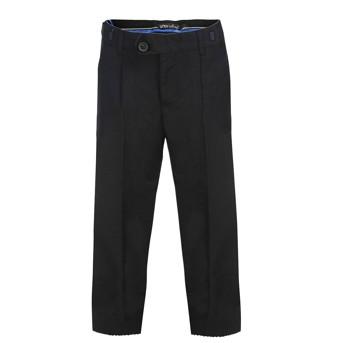 Брюки для мальчика Orby, цвет: черный. 63018_OLB_вар.3. Размер 146, 10-11 лет63018_OLB_вар.3Классические брюки для мальчика Orby School - основа повседневного школьного гардероба. Изготовленные из высококачественного костюмного полотна, они необычайно мягкие и приятные на ощупь, не сковывают движения и позволяют коже дышать, не раздражают даже самую нежную и чувствительную кожу ребенка, обеспечивая ему наибольший комфорт. Брюки прямого покроя с заутюженными стрелками на талии застегиваются на пластиковую пуговицу и на металлический крючок, а также имеют ширинку на застежке-молнии и шлевки для ремня. Плавающая регулировка в поясе брюк (хлястиками на зажимах) обеспечивает комфортную посадку и регулирует полноту до 4 см. Спереди брюки дополнены двумя втачными карманами с косыми краями.Эта универсальная модель, подходящая под различные варианты пиджаков, джемперов и водолазок.