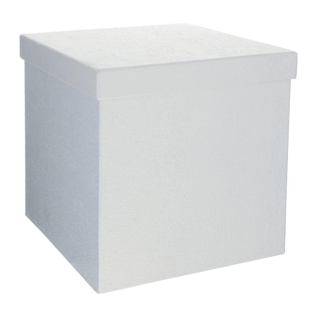 Подарочная коробка Феникс-презент, цвет: серебристый, 20 см х 20 см х 21 см36295Подарочная коробка Феникс-презент выполнена из мелованного, негофрированного картона. Коробка вместительная, закрывается крышкой.Подарочная коробка - это наилучшее решение, если вы хотите порадовать ваших близких и создать праздничное настроение, ведь подарок, преподнесенный в оригинальной упаковке, всегда будет самым эффектным и запоминающимся. Окружите близких людей вниманием и заботой, вручив презент в нарядном, праздничном оформлении.