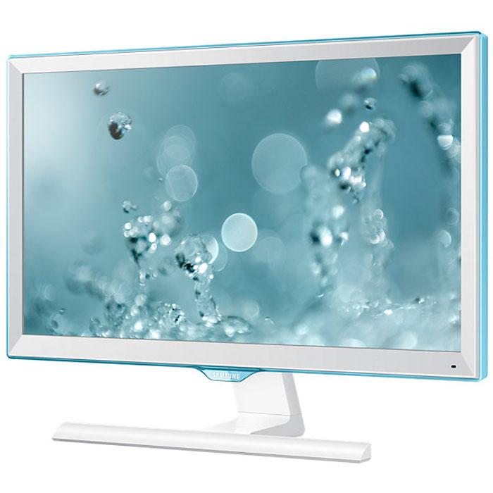 Samsung S22E391H, White мониторLS22E391HSX/CIОбновленный дизайн монитора Samsung S22E391H с акцентом на уникальной рамке Touch Of Color подчеркивает его полупрозрачным голубым оттенком. Супертонкая рамка с четырех сторон дисплея обеспечивают чистый и современный внешний вид и естественным образом фокусируют взгляд на изображении. Дизайн Touch of Colorпереходит так же на подставку, что обеспечивает гармоничный и целостный общий дизайн монитора.Используемая матрица обеспечивает широкие углы обзора (178°/178°) по горизонтали и по вертикали для удобства работы. Разрешение Full HD обеспечивает качественную картинку на экране монитора Samsung S22E391H. Режим Eye Saver Mode понижает нагрузку на глаза во время работы за монитором путем снижения интенсивности голубого свечения.ТехнологияFlicker Free обеспечивает защиту глаз от постоянного напряжения, вызванного мерцанием и позволяет дольше работать. Эко-энергосберегающая технология снижает яркость экрана для повышенияэнергоэффективности. Доступны ручная (25%, 50%) и автоматическая (снижает потребление примерно на 10%*)регулировка яркости черных секций экрана. Для уменьшения негативного влияния на окружающую среду вмониторе Samsung S22E391H не используется ПВХ.Наслаждайтесь плавными изображениями даже во время динамичных сцен! С малым временем отклика вы можетебыть уверены, что ваш монитор будет справляться с любыми фильмами, играми, содержащими самые динамичныесцены. Функция Magic Upscale обеспечит автоматическое сглаживание текстур изображения малого разрешения,чтобы вы могли насладиться качественной картинкой.Совместимость с Windows, Mac Соотношение сторон экрана: 16:9 Наклон:-2° - 15°