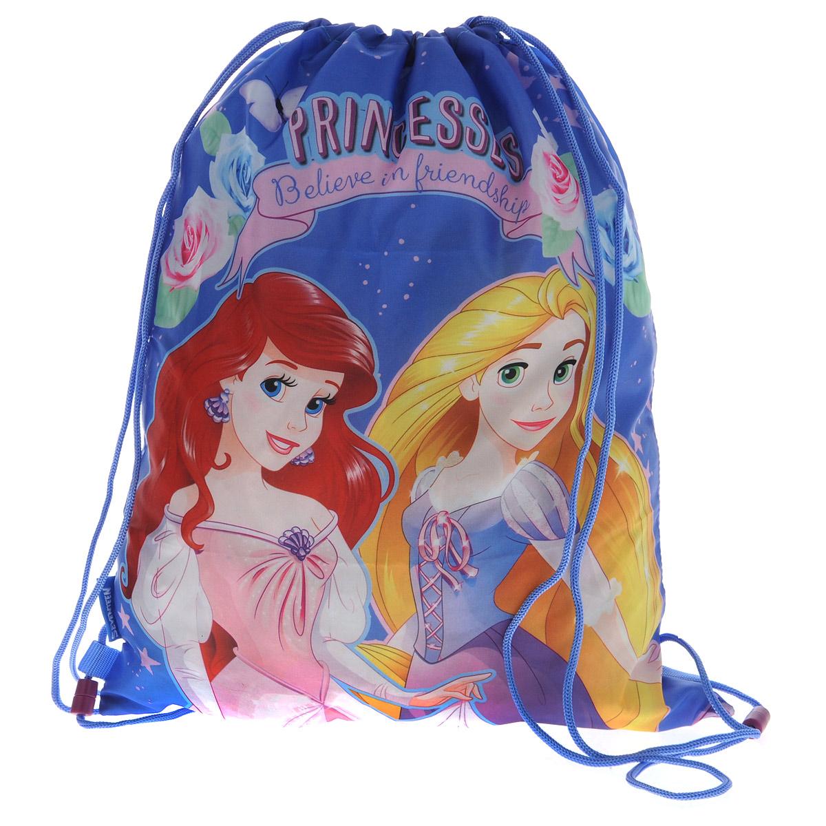 Disney Princess Сумка-рюкзак для обуви Princess цвет сиреневый PRCB-MT1-883PRCB-MT1-883Сумка для сменной обуви Princess идеально подходит как для хранения, так и для переноски сменной обуви и одежды.Сумка выполнена из прочного водонепроницаемого полиэстера и содержит одно вместительное отделение, затягивающееся с помощью текстильных шнурков. Шнурки фиксируются в нижней части сумки, благодаря чему ее можно носить за спиной как рюкзак.Оформлено изделие изображениями любимых героев. Ваш ребенок с радостью будет ходить с таким аксессуаром в школу.