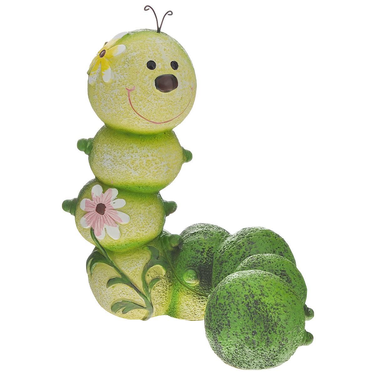 Фигурка садовая Green Apple Гусеница, 18,5 х 12,5 х 23 смGA200-14Фигурка Green Apple Гусеница, выполненная из полистоуна, предназначена для декоративного оформления садового участка. Фигурка позволит создать оригинальную декорацию, которая украсит собой ваш сад и добавит в него ярких красок. Декоративные садовые фигурки представляют собой последний штрих при создании ландшафтного дизайна дачного или приусадебного участка. Декоративные фигурки для украшения сада позволяют создать правдоподобную декорацию и почувствовать себя среди живой природы.