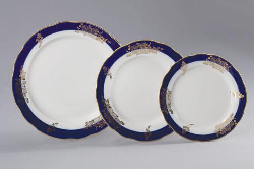 Набор тарелок 18 шт. Вырезной край Ягоды фарфор