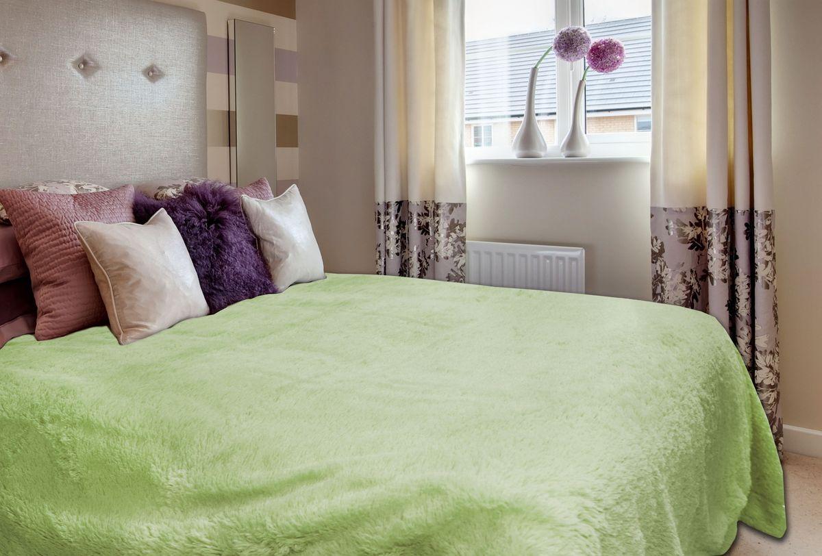Плед Buenas Noches, цвет: зеленый, 160 х 220 см72088Плед Buenas Noches - это идеальное решение для вашего интерьера! Он порадует вас легкостью, нежностью и оригинальным дизайном! Плед с длинным ворсом выполнен из 100% полиэстера. Полиэстер считается одной из самых популярных тканей. Это материал синтетического происхождения из полиэфирных волокон. Внешне такая ткань схожа с шерстью, а по свойствам близка к хлопку. Изделия из полиэстера не мнутся и легко стираются. После стирки очень быстро высыхают.Плед - это такой подарок, который будет всегда актуален, особенно для ваших родных и близких, ведь вы дарите им частичку своего тепла!Продукция торговой марки Buenas Noches сделана с особой заботой, специально для вас и уюта в вашем доме!