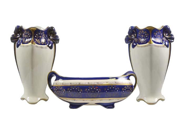 Гарнитур каминный Luneville в стиле модерн. 3 вазы. Фаянс, роспись, позолота. Франция, 1890-1900 гг.