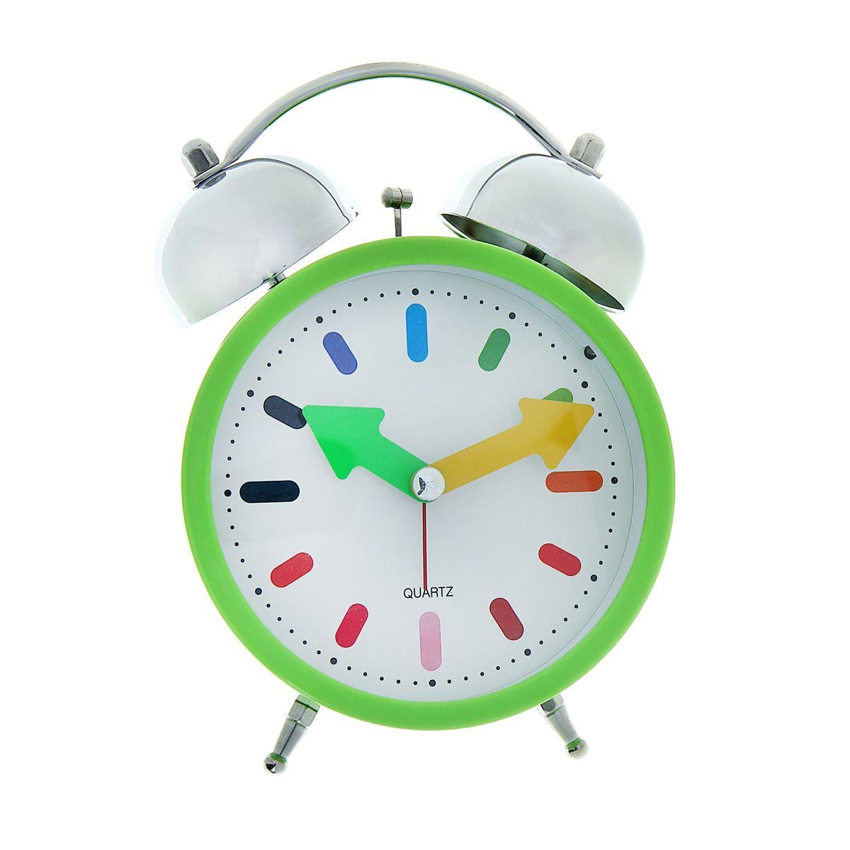 Часы-будильник Sima-land Яркое утро1056424Как же сложно иногда вставать вовремя! Всегда так хочется поспать еще хотя бы 5 минут ибывает, что мы просыпаем. Теперь этого не случится! Яркий, оригинальный будильник Sima-land Яркое утропоможет вам всегда ставать в нужное время и успевать везде и всюду. Будильник украсит вашукомнату и приведет в восхищение друзей. Точно показывает время и будит вустановленный час. На задней панели будильника расположены переключательвключения/выключения механизма, атакже два колесика для настройки текущего времени и времени звонка будильника.Будильник работает от двух батареек типа AA напряжением 1,5V (не входит в комплект).