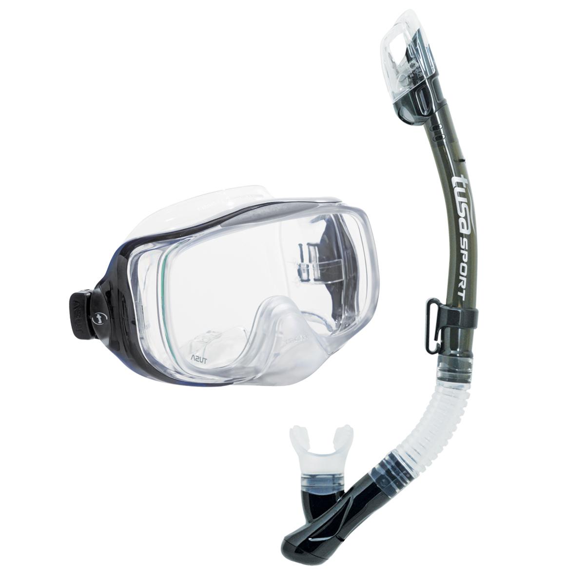 Комплект для подводного плавания Tusa Sport TS UCR3325 SK, (маска+трубка), цвет: черныйTS UCR3325 SKКомплект UCR3325 Imprex 3-D Dry включает трехлинзовую маску с двумя боковыми окошками для улучшенного бокового и панорамного обзора, особой запатентованной TUSA системой Hyperdry, позволяющей легко очищать маску от воды одним выдохом, регулируемыми ремешками с пряжками, закаленным стеклом ClearVu, ремешком и обтюратором из гипоаллергенного прозрачного силикона. Трубка оснащена сухим клапаном с системой TUSA Hyperdry Elite, защищающим трубку от попаданию воды, дренажной камерой и клапаном для легкой очистки трубки от воды, а также гофрированным сегментом и загубником из гипоаллергенного прозрачного силикона. Трубка оснащена нижним клапаном для отвода воды и верхним, который предотвращает попадание воды при заныривании, т.е. верхний клапан при помощи поплавкамеханически закрывает трубку, и в нее не затекает вода. Такие трубки называют трубка с сухим верхним клапаном или сухая трубка.Комплект UCR3325 прекрасно подойдет к ластам UF-14Z или UF-21. Характеристики:Материал: пластик, силикон, стекло. Размер маски: 18,5 см x 10 см. Общая длина трубки: 46 см. Размер упаковки: 50 см x 23 см x 10 см. Производитель: Тайвань. Артикул:TS UCR3325 SK.