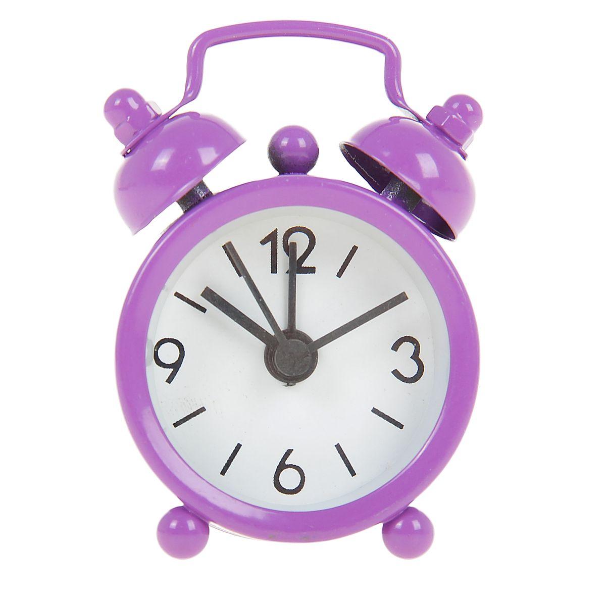 Часы-будильник Sima-land, цвет: фиолетовый. 840937840937Как же сложно иногда вставать вовремя! Всегда так хочется поспать еще хотя бы 5 минут и бывает, что мы просыпаем. Теперь этого не случится! Яркий, оригинальный будильник Sima-land поможет вам всегда вставать в нужное время и успевать везде и всюду. Будильник украсит вашу комнату и приведет в восхищение друзей. Эта уменьшенная версия привычного будильника умещается на ладони и работает так же громко, как и привычные аналоги. Время показывает точно и будит в установленный час.На задней панели будильника расположены переключатель включения/выключения механизма, а также два колесика для настройки текущего времени и времени звонка будильника.Будильник работает от 1 батарейки типа LR44 (входит в комплект).