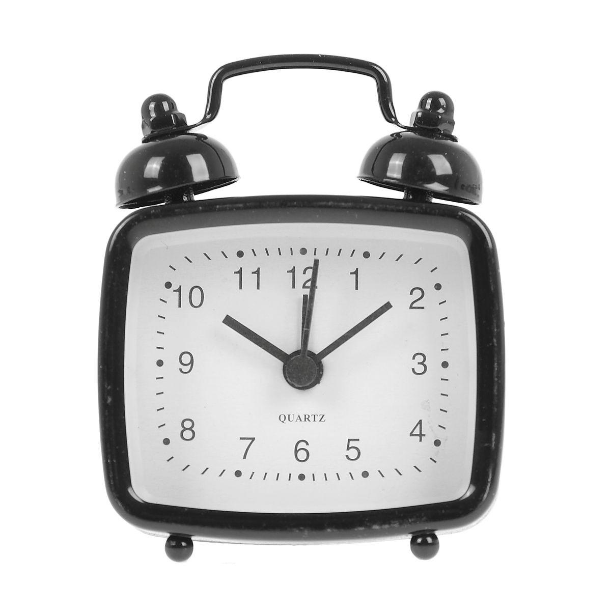 Часы-будильник Sima-land, цвет: черный. 840944840944Как же сложно иногда вставать вовремя! Всегда так хочется поспать еще хотя бы 5 минут и бывает, что мы просыпаем. Теперь этого не случится! Яркий, оригинальный будильник Sima-land поможет вам всегда вставать в нужное время и успевать везде и всюду. Будильник украсит вашу комнату и приведет в восхищение друзей. Эта уменьшенная версия привычного будильника умещается на ладони и работает так же громко, как и привычные аналоги. Время показывает точно и будит в установленный час.На задней панели будильника расположены переключатель включения/выключения механизма, а также два колесика для настройки текущего времени и времени звонка будильника.Будильник работает от 1 батарейки типа LR44 (входит в комплект).