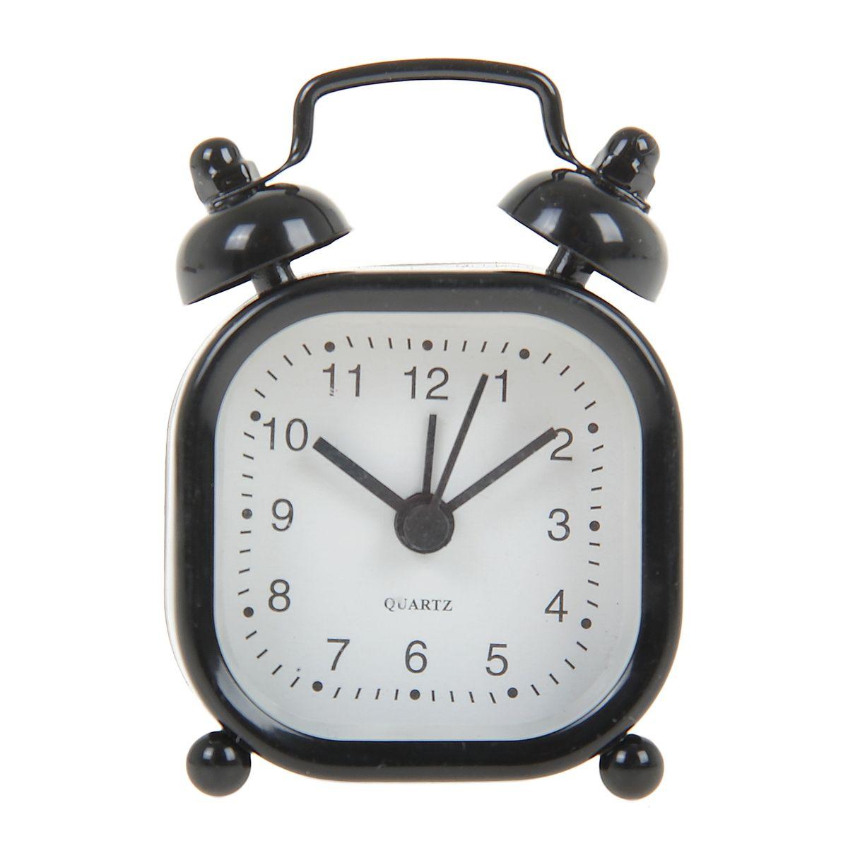 Часы-будильник Sima-land, цвет: черный. 840950840950Как же сложно иногда вставать вовремя! Всегда так хочется поспать еще хотя бы 5 минут и бывает, что мы просыпаем. Теперь этого не случится! Яркий, оригинальный будильник Sima-land поможет вам всегда вставать в нужное время и успевать везде и всюду. Будильник украсит вашу комнату и приведет в восхищение друзей. Эта уменьшенная версия привычного будильника умещается на ладони и работает так же громко, как и привычные аналоги. Время показывает точно и будит в установленный час.На задней панели будильника расположены переключатель включения/выключения механизма, а также два колесика для настройки текущего времени и времени звонка будильника.Будильник работает от 1 батарейки типа LR44 (входит в комплект).