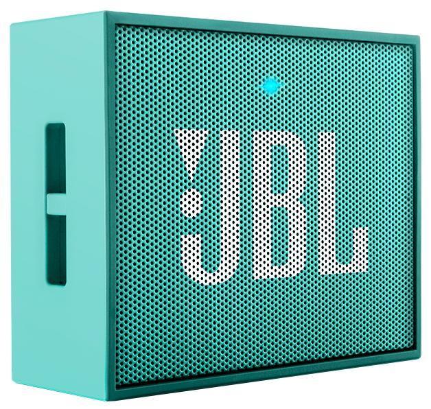 JBL GO, Teal портативная акустическая системаJBLGOTEALЭтот динамик является удобным решением все-в-одном. Он поддерживает Bluetooth, что позволяет подключать его к любым современным гаджетам, а встроенный аккумулятор подарит вам 5 часов музыки без перерыва. JBL GO также оснащен встроенным микрофоном с технологией шумоподавления, что позволяет вам общаться по телефону по громкой связи. Доступный в 8 ярких расцветках, в прорезиненном корпусе и фирменном стиле JBL, этот портативный динамик подойдет любому, кто любит качественный звук и портативность. GO оснащен креплением, за которое динамик можно прицепить к рюкзаку или одежде. Теперь вы можете никогда не расставаться с любимой музыкой.