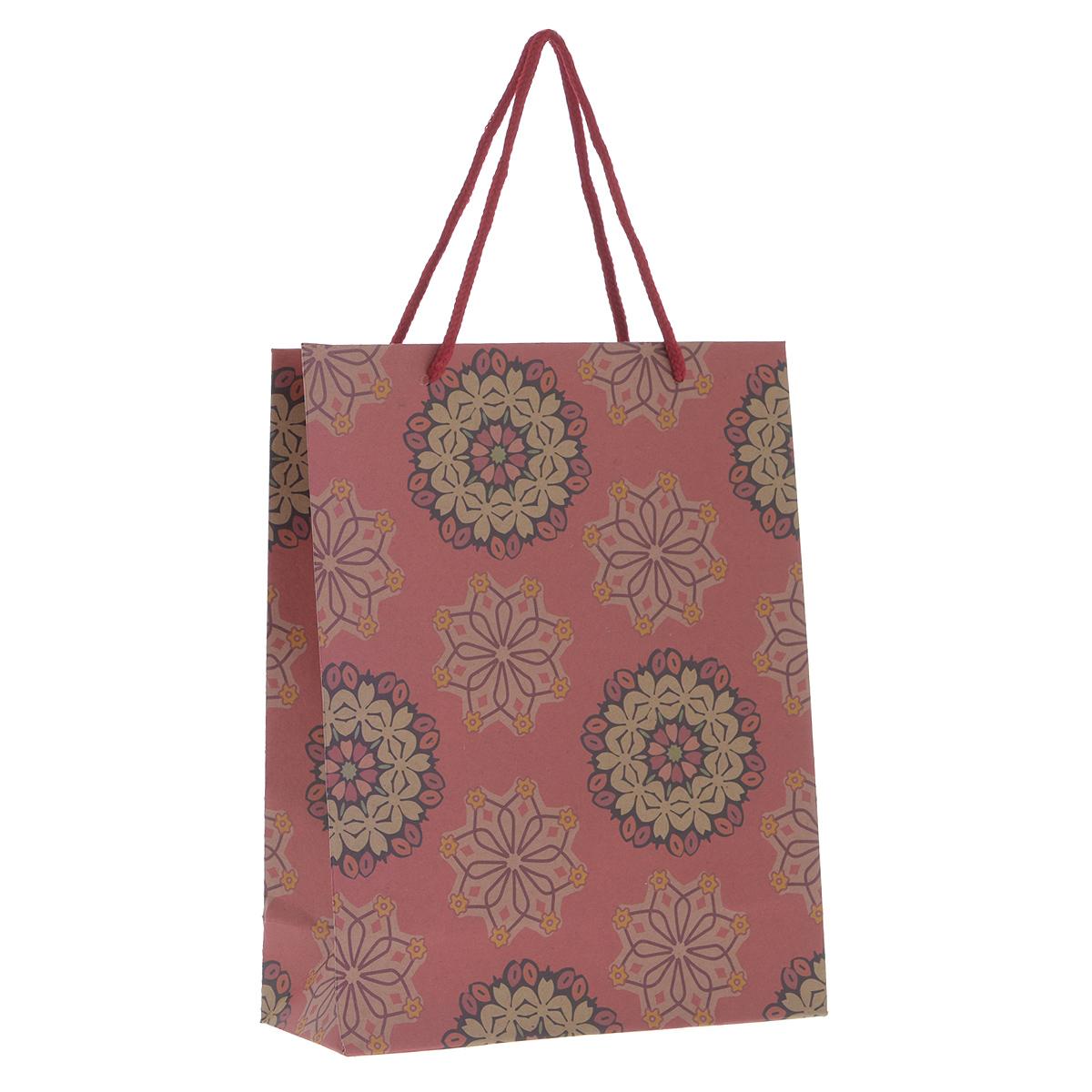 Пакет подарочный Розовые цветы, 19 см х 24,5 см х 8 см38876Подарочный пакет Розовые цветы, изготовленный из плотной бумаги, станет незаменимым дополнением к выбранному подарку. Дно изделия укреплено плотным картоном, который позволяет сохранить форму пакета и исключает возможность деформации дна под тяжестью подарка.Для удобной переноски на пакете имеются две ручки из шнурков.Подарок, преподнесенный в оригинальной упаковке, всегда будет самым эффектным и запоминающимся. Окружите близких людей вниманием и заботой, вручив презент в нарядном, праздничном оформлении.