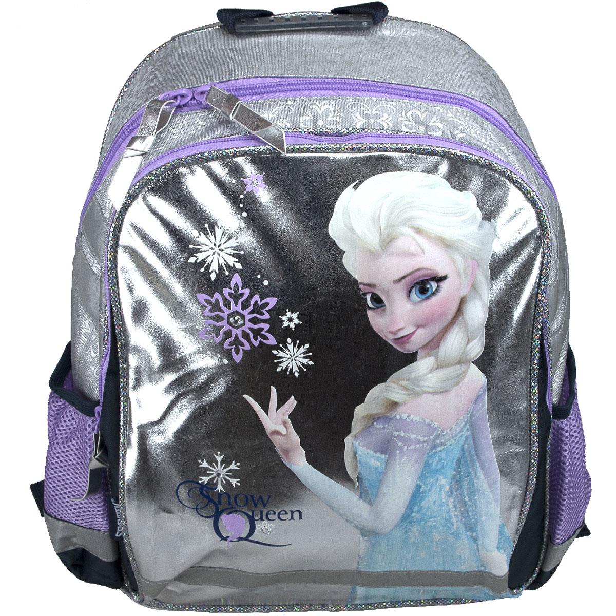 Рюкзак школьный Disney Frozen Snow Queen, цвет: серебристый, фиолетовыйFZCB-UT1-977Рюкзак школьный Disney Frozen Snow Queen обязательно понравится вашей школьнице. Выполнен из прочных и высококачественных материалов, дополнен изображением героини мультфильма Холодное сердце.Содержит два вместительных отделения, закрывающиеся на застежки-молнии. В большом отделении находится перегородка для тетрадей или учебников. Дно рюкзака можно сделать жестким, разложив специальную панель с пластиковойвставкой, что повышает сохранность содержимого рюкзака и способствует правильному распределению нагрузки. По бокам расположены два накладных кармана-сетка. Конструкция спинки дополнена противоскользящей сеточкой и системой вентиляции для предотвращения запотевания спины ребенка. Мягкие широкие лямки позволяют легко и быстро отрегулировать рюкзак в соответствии с ростом. Рюкзак оснащен эргономичной ручкой для удобной переноски в руке. Светоотражающие элементы обеспечивают безопасность в темное время суток.Такой школьный рюкзак станет незаменимым спутником вашего ребенка в походах за знаниями.Вес рюкзака без наполнения: 550 г.Рекомендуемый возраст: от 12 лет.