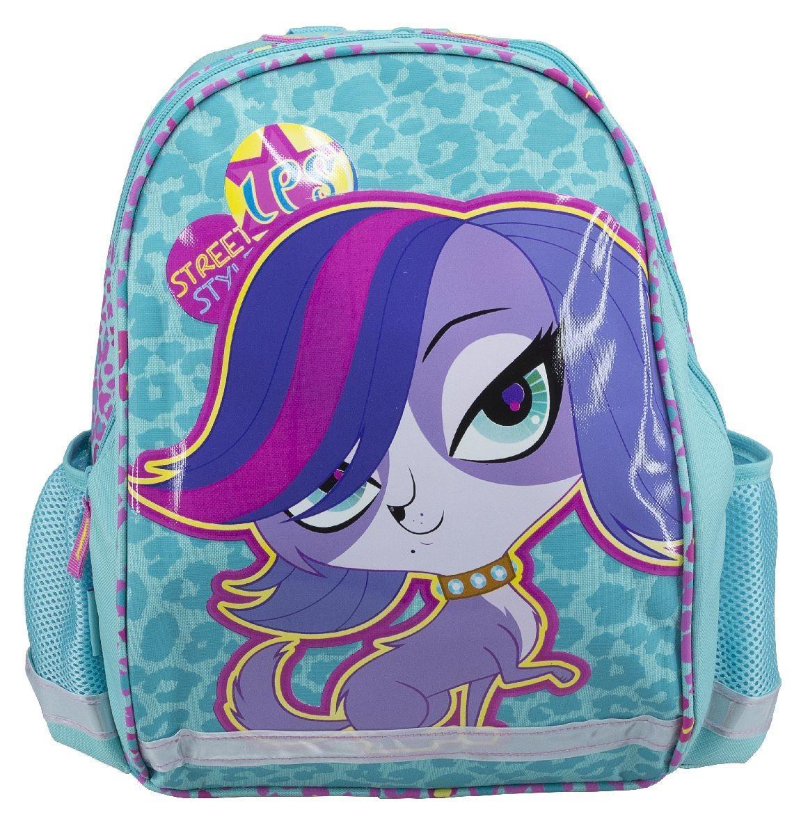 Рюкзак школьный Littlest Pet Shop, цвет: бирюзовый, розовый, фиолетовый. LPCB-MT1-977LPCB-MT1-977Модный школьный рюкзак Littlest Pet Shop обязательно понравится вашей школьнице. Выполнен из прочных и высококачественных материалов, дополнен изображением героя из известного мультфильма Маленький зоомагазин.Содержит два вместительных отделения, закрывающиеся на застежки-молнии. В большом отделении находится перегородка для тетрадей или учебников. Дно рюкзака можно сделать жестким, разложив специальную панель с пластиковой вставкой, что повышает сохранность содержимого рюкзака и способствует правильному распределению нагрузки. По бокам расположены два накладных кармана-сетка. Конструкция спинки дополненапротивоскользящей сеточкой и системой вентиляции для предотвращения запотевания спины ребенка. Мягкие широкие лямки позволяют легко и быстро отрегулировать рюкзак в соответствии с ростом. Рюкзак оснащен эргономичной ручкой для удобной переноски в руке. Светоотражающие элементы обеспечивают безопасность в темное время суток.Многофункциональный школьный рюкзак станет незаменимым спутником вашего ребенка в походах за знаниями.Вес рюкзака без наполнения: 500 г.Рекомендуемый возраст: от 12 лет.