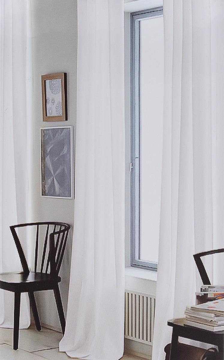 Штора готовая для гостиной Garden, на ленте, цвет: белый, размер 300*260 см. CW191 V70000CW191 V70000Изящная тюлевая штора Garden выполнена из вуали (100% полиэстера). Полупрозрачная ткань, приятный цвет привлекут к себе внимание и органично впишутся в интерьер помещения. Такая штора идеально подходит для солнечных комнат. Мягко рассеивая прямые лучи, она хорошо пропускает дневной свет и защищает от посторонних глаз. Отличное решение для многослойного оформления окон. Штора крепится на карниз при помощи ленты, которая поможет красиво и равномерно задрапировать верх.