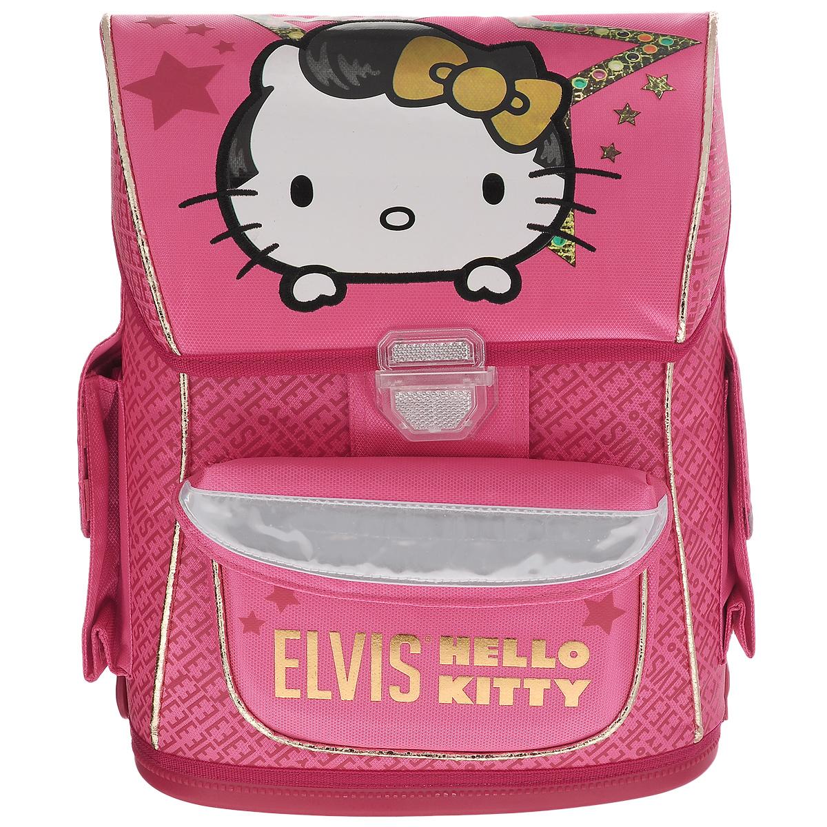 Ранец школьный Hello Kitty. Elvis, с наполнением, цвет: розовый, белыйHKOZ-UT1-568SETШкольный ранец Hello Kitty выполнен из современного легкого и прочного материала ярко-розового цвета, дополненный яркими аппликациями с кошечкой Kitty. Ранец имеет одно основное отделение, закрывающееся на клапан с замком-защелкой. Под крышкой расположен прозрачный пластиковый кармашек для расписания уроков, или для вкладыша с адресом и ФИО владельца. Внутри главного отделения имеется пришивной кармашек для мелочи и расположены два разделителя, предназначенные для размещения предметов без сложения, размером до формата А4 включительно. На лицевой стороне ранца расположен накладной карман на липучке. По бокам ранца размещены два дополнительных накладных кармана под клапанами, с липучкой. Рельеф спинки ранца разработан с учетом особенности детского позвоночника.Ранец оснащен петлей для подвешивания и двумя широкими лямками, регулируемой длины. Дно ранца полностью пластиковое. Многофункциональный школьный ранец станет незаменимым спутником вашего ребенка в походах за знаниями. В комплекте с ранцем идет наполнение: Альбом для рисования, формат 290х205, 20 листов; Тетрадь в клетку, 12 листов;Тетрадь в линейку, 12 листов; Дневник школьный; Набор фломастеров, 12 шт; Карандаш чернографитный, с ластиком, 3 шт. Весь товар из наполнения с изображениями кошечки Kitty.