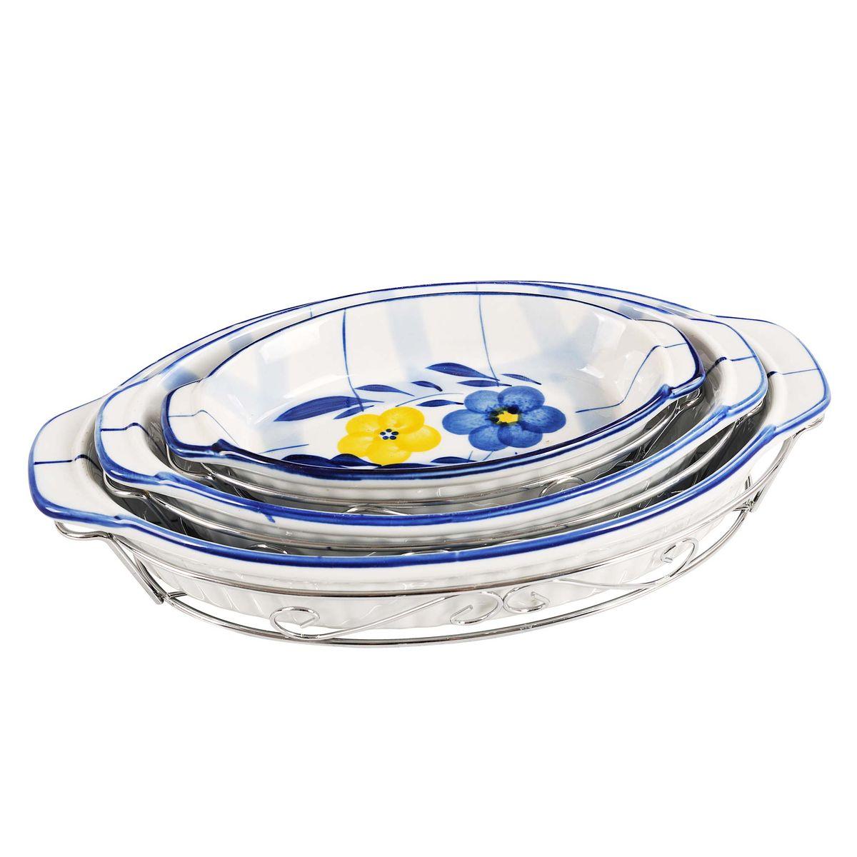 Набор блюд Bekker изготовлен из жаропрочной керамики с металлическими подставками.  Оригинальный цветочный дизайн придется по вкусу и ценителям классики, и тем, кто предпочитает утонченность и изящность. Подходит для приготовления блюд в микроволновой печи (без подставок) и духовом шкафу. Состав набора: 3 блюда на металлических подставках. Размеры:   20,5 х 11,5 х 3,5 см (первое блюдо);          25,5 х 15,5 х 4 см (второе блюдо);         30,5 х 18 х 4 см (третье блюдо).