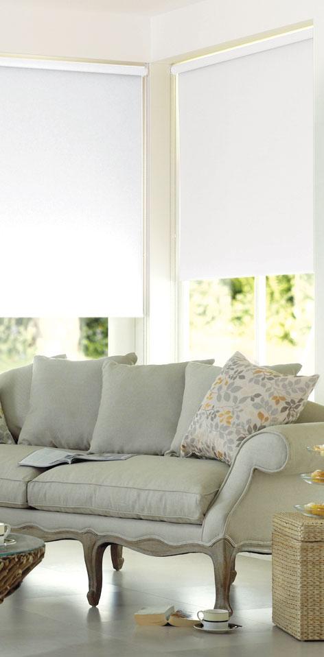 Миниролло Garden, с креплением на раму, цвет: белый, 60 х 170 см1985060/21004Рулонная штора Garden изготовлена из высокопрочной плотной однотонной ткани и имеет небольшой мерцающий эффект. Ткань не выцветает, обладает отличной цветоустойчивостью и сохраняет свой размер даже при намокании. Рулонные шторы закрывают не весь оконный проем, а непосредственно само стекло. Такие шторы крепятся на раму без сверления при помощи зажимов или клейкой двухсторонней ленты. Миниролло Garden - это отличное решение для тех, кто не хочет утяжелять помещение тканевыми шторами. Изделие не только открывает пространство, но и легко регулирует подачу света в помещение. Происходит это с помощью шнура-цепочки. В комплект входит: - клейкая двухсторонняя лента,- зажимы,- шнур-цепочка,- миниролло.