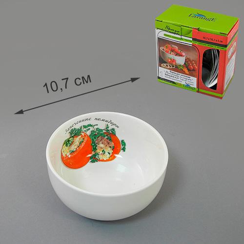 Форма для запекания LarangE Запеченные помидоры, 10,7 х 10,7 х 5 см598-097Форма для запекания LarangE Запеченные помидоры, выполненная из высококачественного фарфора, подходит для использования в духовке. Во время процесса приготовления посуда из впитывает лишнюю влагу из продукта и хранит тепло.Подходит для хранения в холодильнике и морозильной камере. Можно мыть в посудомоечной машине. Диаметр (по верхнему краю): 10,7 см. Высота: 5 см.