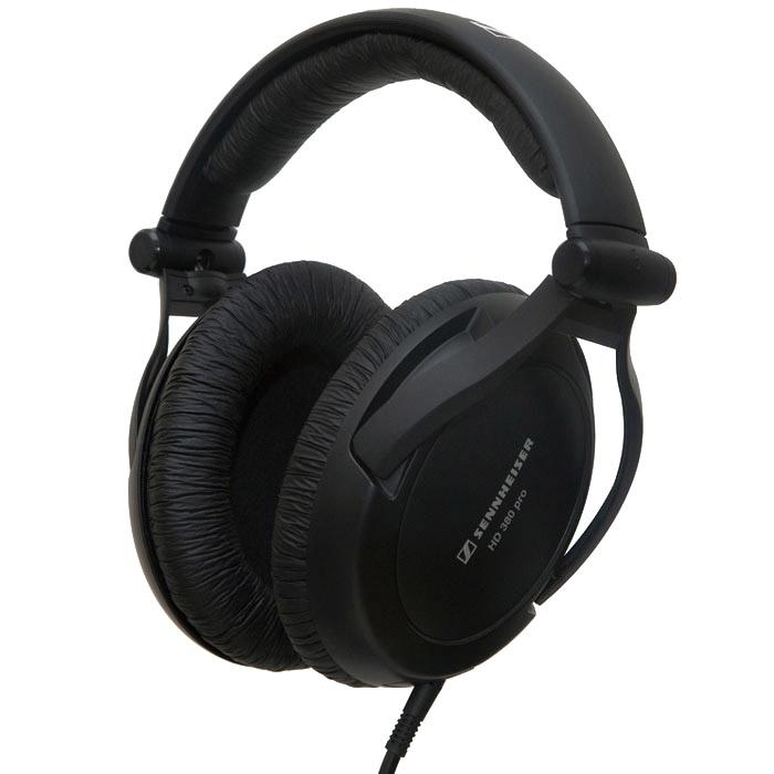 Sennheiser HD 380 Pro наушникиHD 380 PROНаушники Sennheiser HD 380 Pro отличаются расширенным частотным диапазоном и высоким уровнем звукового давления, что позволяет точно воспроизводить звуковой материал при работе звукооператора. Кроме того, закрытая конструкция с амбушюрами Circum-aural обеспечивает превосходное пассивное ослабление окружающего шума, что делает эти наушники идеальными для мониторинга и контроля.Расширенный частотный диапазон Высокий уровень звукового давления Закрытая конструкция с амбушюрами Circum-aural гарантирует превосходное пассивное ослабления окружающего шума Исключительно комфортны при длительном использовании Спиральный кабель с одной точкой крепления Легко заменяемые элементы конструкции продлевают срок службы наушников
