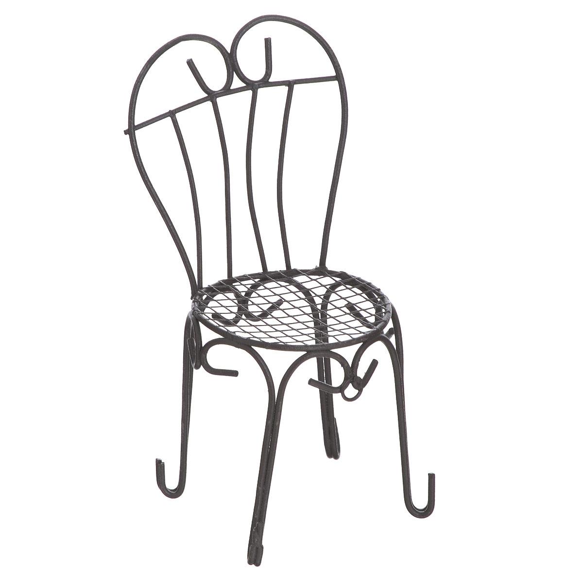 Миниатюра кукольная ScrapBerrys Стул с сердцевидной спинкойSCB271014Миниатюра кукольная ScrapBerrys Стул с сердцевидной спинкой изготовлена из металла в виде стула со спинкой в виде сердца.Такая миниатюра прекрасно подойдет для декорирования кукольных домиков, а также для оформления работ в самых различных техниках, для презентации трехмерных изображений или предметов.Кукольная миниатюра представляет собой целый мир с собственной модой, историей и законами. В нашей стране кукольная и историческая миниатюра только набирает популярность, тогда как в других государствах уже сложились целые традиции по созданию миниатюр. Создание миниатюр сводится к правильному подбору всех элементов интерьера согласно сюжетному и историческому контексту. Очень часто наборы кукольных миниатюр передается от поколения к поколению. И порой такие коллекции - далеко не детская забава, а настоящее серьезное хобби для взрослых. Стильные, красивые маленькие вещички и аксессуары интересно расставлять по своим местам, создавая необычные исторические, фантазийные и классические инсталляции различных эпох.