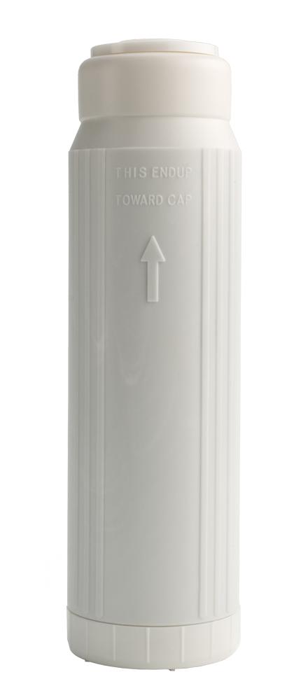 """Сменный картридж для фильтра Барьер """"Профи Посткарбон"""" предназначен для финишной доочистки водопроводной воды, удаления тяжелых металлов, сорбционной очистки от хлора, а также остаточных запахов и привкусов. Бактериостатические компоненты предотвращают размножение бактерий внутри проточного фильтра.  Особенности:  Кокосовый активированный уголь, обработанный серебром, удаляет хлор и хлорорганику, предотвращает рост бактерий.  Технология NanoPlus увеличивает сорбционную емкость компонентов фильтроэлемента.  Фильтр тонкой очистки предотвращает попадание угольной пыли в очищенную воду.  Ионообменное волокно удаляет тяжелые металлы и растворенное железо.  Фильтроэлемент предназначен для доочистки питьевой воды из централизованных источников водоснабжения. Устанавливается в третью ступень проточного фильтра """"Барьер Профи Standart"""", """"Барьер Профи Hard"""",""""Барьер Профи Ferrum"""".    Уважаемые клиенты!  Обращаем ваше внимание на возможные изменения в дизайне упаковки. Качественные характеристики товара остаются неизменными. Поставка осуществляется в зависимости от наличия на складе."""
