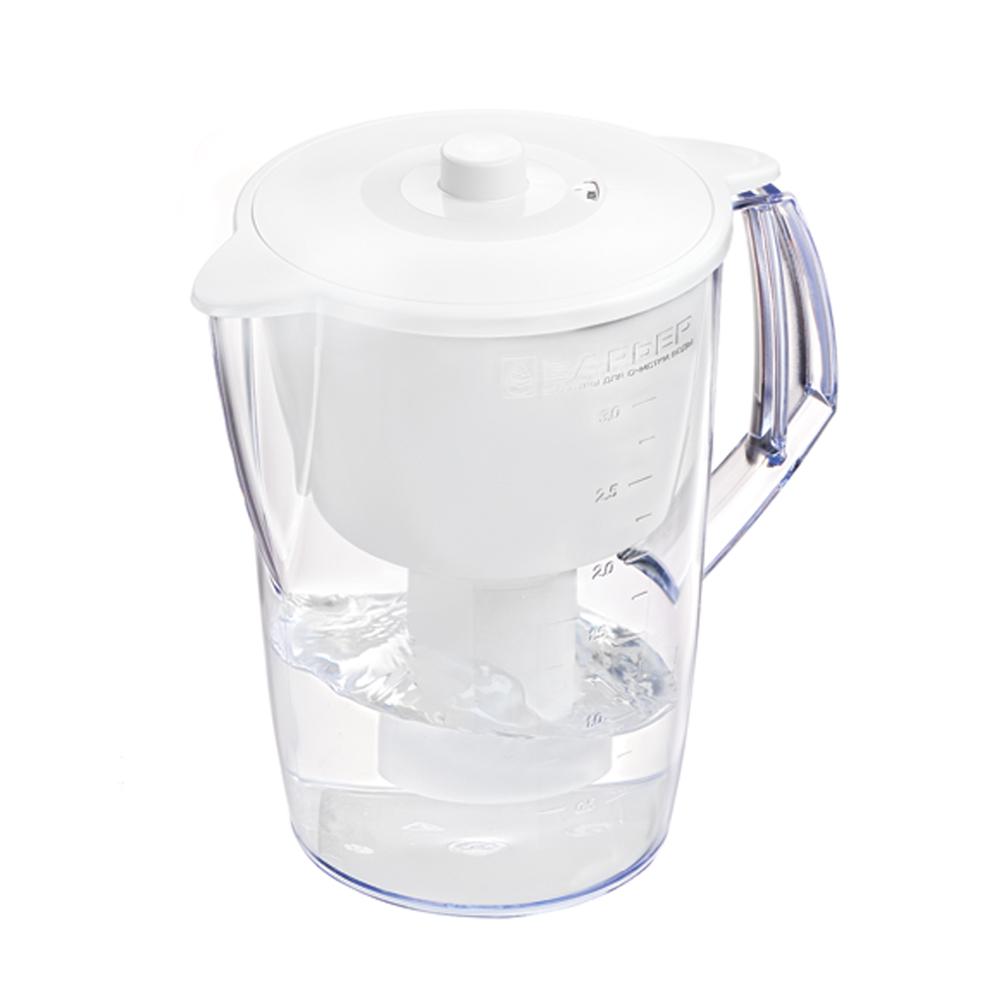 """Фильтр """"Norma"""" - одна из самых популярных моделей фильтров-кувшинов. Кувшин обеспечит Вам нужное количество  чистой воды за раз и при этом не будет занимать много места на кухне. Фильтр """"Norma"""" - это признанное российскими потребителями сочетание доступности с большим количеством отфильтрованной воды. Фильтр-кувшин предназначен для доочистки питьевой водопроводной воды. Эффективно очищает воду от активного хлора, органических и хлороорганических соединений, токсичных металлов и других вредных веществ. Устраняет неприятные запахи и привкусы. Фильтр укомплектован сменной фильтрующей кассетой """"БАРЬЕР-4"""". В состав кассеты входят особая комбинация высококачественных активированных углей для сорбции вредных примесей и специальные ионообменные материалы для удаления из воды ионов токсичных металлов. Особенности данного фильтра: высококачественный пластик, допущенный для контакта с питьевой водой; возможность мыть в посудомоечной машине; уникальная конструкция воронки для защиты от попадания неочищенной воды и пыли; уникальная технология NanoPlus®.  """"Барьер"""" - это высококачественные материалы и жесточайший контроль на каждой стадии производства. На сегодняшний день компания """"Барьер"""" располагает производством полного цикла и собственной научно-исследовательской лабораторией. Конструкторский отдел компании сотрудничает с ведущими дизайн-бюро Европы, что позволяет обновлять модельный ряд фильтров-кувшинов раз в 2-3 года.   Материал: пластик.  Объем кувшина: 3,6 л.   Объем воронки: 1,5 л.   Объем очищенной воды: 1,6 л.   Примерный ресурс сменной кассеты (в зависимости от качества исходной воды): 350 л.      Размер кувшина (с учетом ручки): 24 см х 17 см.  Высота кувшина: 25 см.    Размер упаковки: 22,8 см х 16,8 см х 26,8 см.   Входит инструкция по эксплуатации на русском языке."""