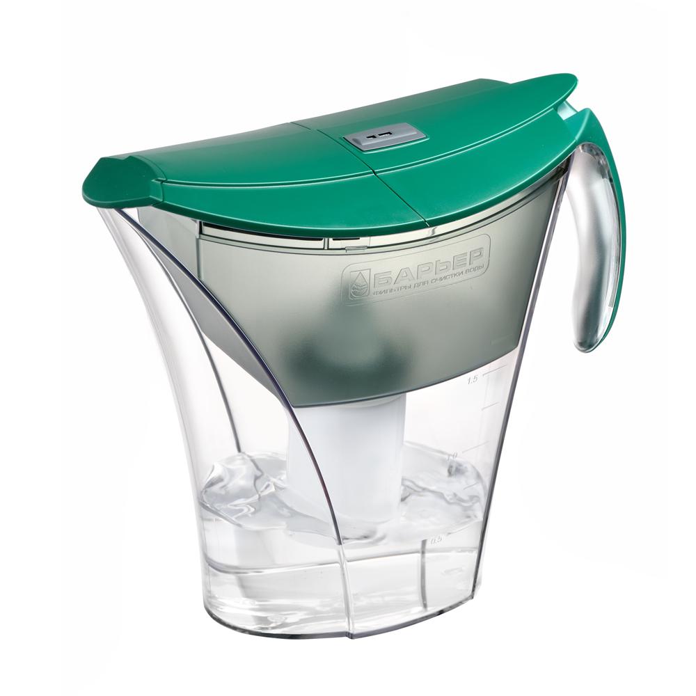 Фильтр-кувшин для воды Барьер Смарт, цвет: зеленыйФильтр-кувшин Барьер Смарт цвет: зеленыйФильтр Барьер Smart, выполненный из пластика, предназначен для доочистки питьевой водопроводной воды. В комплект к фильтру входит сменная кассета Барьер-4 Стандарт. Особенности: - удобная двойная крышка, упрощающая наполнение кувшина, - уникальная конструкция кувшина позволяет наливать чистую воду, не дожидаясь, пока вся вода отфильтруется, - удобная ручка, - возможность мыть в посудомоечной машине, - календарный индикатор, расположенный на крышке, поможет вам не забыть поменять картридж. Качество водопроводной воды напрямую зависит от источника воды. В разных регионах вода загрязнена по-разному, и поэтому Барьер предлагает решения для различных видов загрязнений - это четыре вида сменных кассет к фильтрам-кувшинам, которые вместе с основной очисткой от хлора, хлорорганических соединений и тяжелых металлов дополнительно удаляют из воды соединения неорганического железа, снижают жесткость или фторируют воду. Благодаря уникальной поверхности NanoPlus, состоящей из миллиардов нанопор, фильтры Барьер сорбируют и удерживают большее количество вредных веществ вплоть до мельчайших молекул, например, хлор, летучие хлорорганические соединения, фенолы и пестициды. Площадь поверхности NanoPlus активированного угля, содержащегося в 1 сменной кассете Барьер, составляет примерно 40 000 м2, что сравнимо с площадью 10 футбольных полей.Чистая питьевая вода - это самая нужная еда для нашего тела. Обезвоживание организма всего лишь на 2% может привести к 20% уменьшению умственных и физических показателей. При этом необходимо помнить. Что чувство жажды у нас возникает, когда организм уже обезвожен. Для того, чтобы снабдить наши внутренние органы, ткани и клетки достаточным количеством воды, не стоит дожидаться, пока захочется пить, а просто взять себе за правило выпивать по 6-8 стаканов воды каждый день. Очень важно, чтобы вода, употребляемая для питья и приготовления пищи, была чистой.Только чист