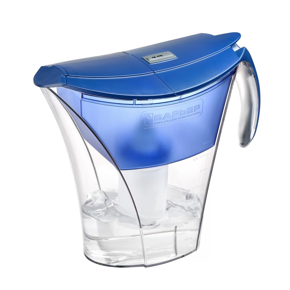 Фильтр-кувшин для воды Барьер Смарт, цвет: синийФильтр-кувшин Барьер Смарт цвет: синийФильтр Барьер Smart, выполненный из пластика, предназначен для доочистки питьевой водопроводной воды. В комплект к фильтру входит сменная кассета Барьер-4 Стандарт. Особенности: - удобная двойная крышка, упрощающая наполнение кувшина, - уникальная конструкция кувшина позволяет наливать чистую воду, не дожидаясь, пока вся вода отфильтруется, - удобная ручка, - возможность мыть в посудомоечной машине, - календарный индикатор, расположенный на крышке, поможет вам не забыть поменять картридж. Качество водопроводной воды напрямую зависит от источника воды. В разных регионах вода загрязнена по-разному, и поэтому Барьер предлагает решения для различных видов загрязнений - это четыре вида сменных кассет к фильтрам-кувшинам, которые вместе с основной очисткой от хлора, хлорорганических соединений и тяжелых металлов дополнительно удаляют из воды соединения неорганического железа, снижают жесткость или фторируют воду. Благодаря уникальной поверхности NanoPlus, состоящей из миллиардов нанопор, фильтры Барьер сорбируют и удерживают большее количество вредных веществ вплоть до мельчайших молекул, например, хлор, летучие хлорорганические соединения, фенолы и пестициды. Площадь поверхности NanoPlus активированного угля, содержащегося в 1 сменной кассете Барьер, составляет примерно 40 000 м2, что сравнимо с площадью 10 футбольных полей.Чистая питьевая вода - это самая нужная еда для нашего тела. Обезвоживание организма всего лишь на 2% может привести к 20% уменьшению умственных и физических показателей. При этом необходимо помнить. Что чувство жажды у нас возникает, когда организм уже обезвожен. Для того, чтобы снабдить наши внутренние органы, ткани и клетки достаточным количеством воды, не стоит дожидаться, пока захочется пить, а просто взять себе за правило выпивать по 6-8 стаканов воды каждый день. Очень важно, чтобы вода, употребляемая для питья и приготовления пищи, была чистой.Только чистая в