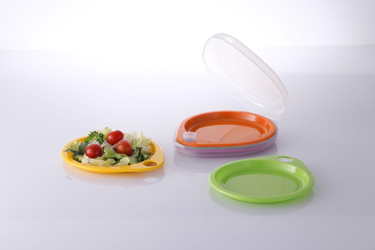 Набор тарелок Frybest Picnic, 6 предметовPic-2Набор Frybest Picnic состоит из 5 разноцветных тарелок, выполненных из высококачественного пищевого пластика. Легкий и компактный набор идеально подходит для пикников и отдыха на природе. Симметричный дизайн одинаково удобен как для правшей, так и для левшей. Тарелки вставляются одна в другую и помещаются внутрь закрывающейся емкости, которая сохранит их чистыми и готовыми к сервировке.Размер тарелки: 21 х 18,5 см.Размер футляра: 32 х 20 х 5 см.