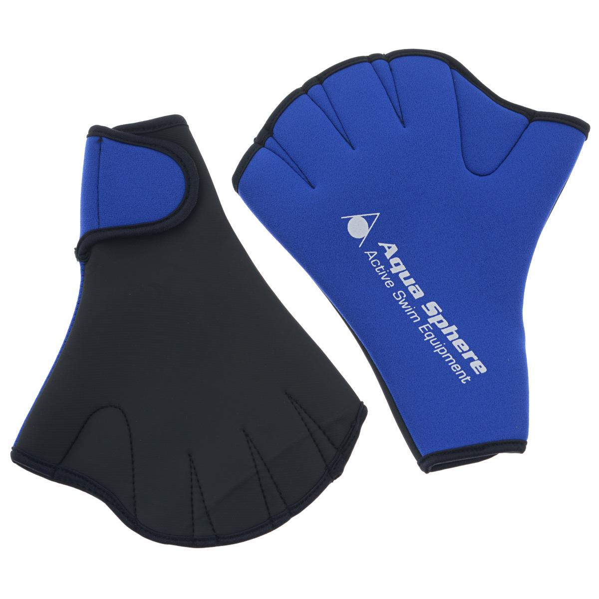 """Перчатки для плавания Aqua Sphere """"Swim Glove"""" усиливают сопротивление воды при плавании, способствуя укреплению мышц плечевого пояса. Изготовлены они из эластичного неопрена. На запястье для надежной фиксации присутствует застежка-липучка."""