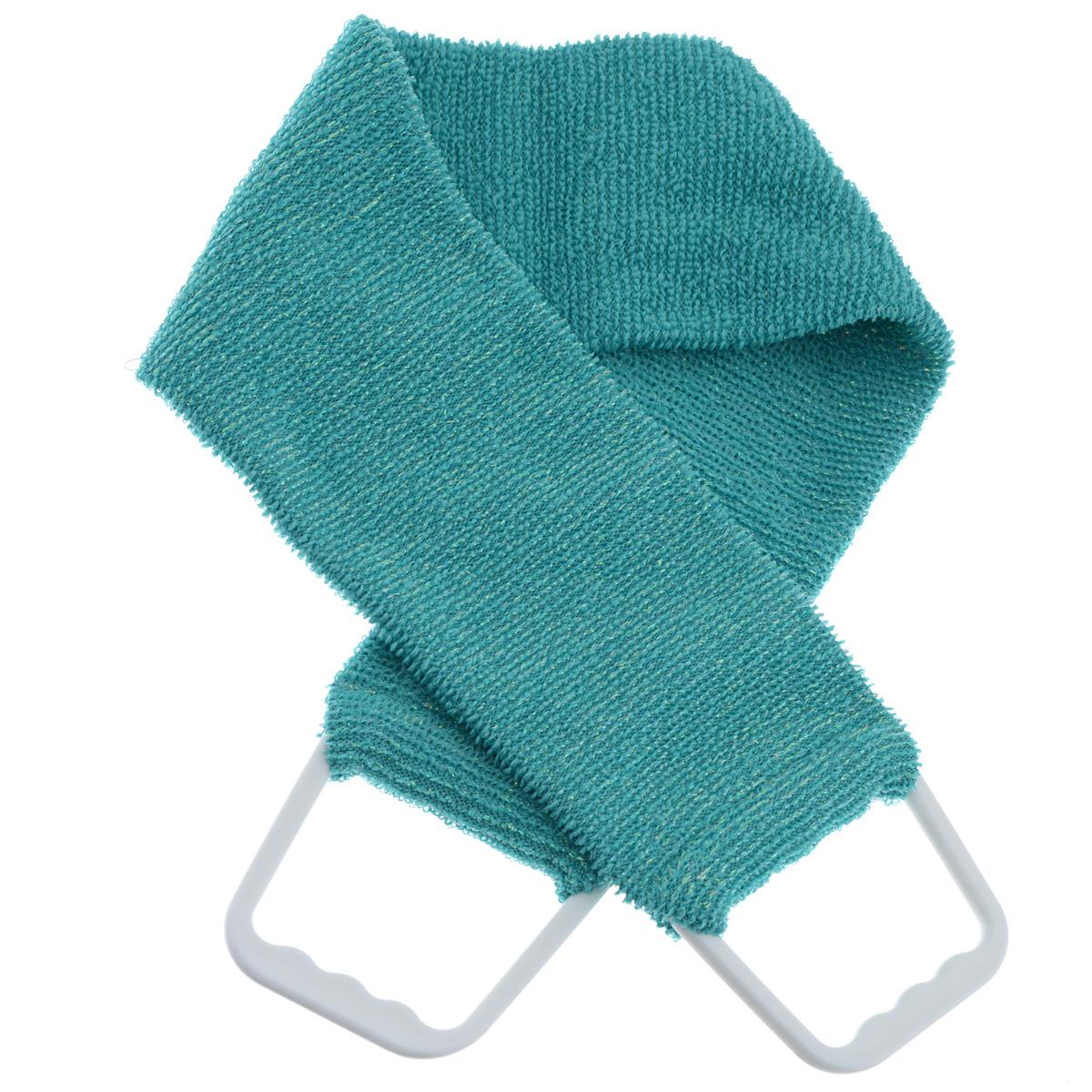 Мочалка 927, цвет: бирюзовый927 бирюзовыйДвухсторонняя мочалка-пояс Riffi применяется для мытья тела, отлично действует как пилинговое средство, тонизируя, массируя и эффективно очищая вашу кожу. Мягкой стороной хорошо намыливать тело и наносить косметические средства после душа. Жесткую (с люрексом) сторону пояса используют для легкого пилинга и массажа кожи. Для удобства применения пояс снабжен двумя пластиковыми ручками. Благодаря отшелушивающему эффекту мочалки-пояса, кожа освобождается от отмерших клеток, становится гладкой, упругой и свежей. Интенсивный и пощипывающе свежий массаж тела с применением Riffi стимулирует кровообращение, активирует кровоснабжение, способствует обмену веществ, что в свою очередь позволяет себя чувствовать бодрым и отдохнувшим после принятия душа или ванны. Riffi регенерирует кожу, делает ее приятно нежной, мягкой и лучше готовой к принятию косметических средств. Приносит приятное расслабление всему организму. Борется со спазмами и болями в мышцах, предупреждает образование целлюлита и обеспечивает омолаживающий эффект. Гипоаллергенная.